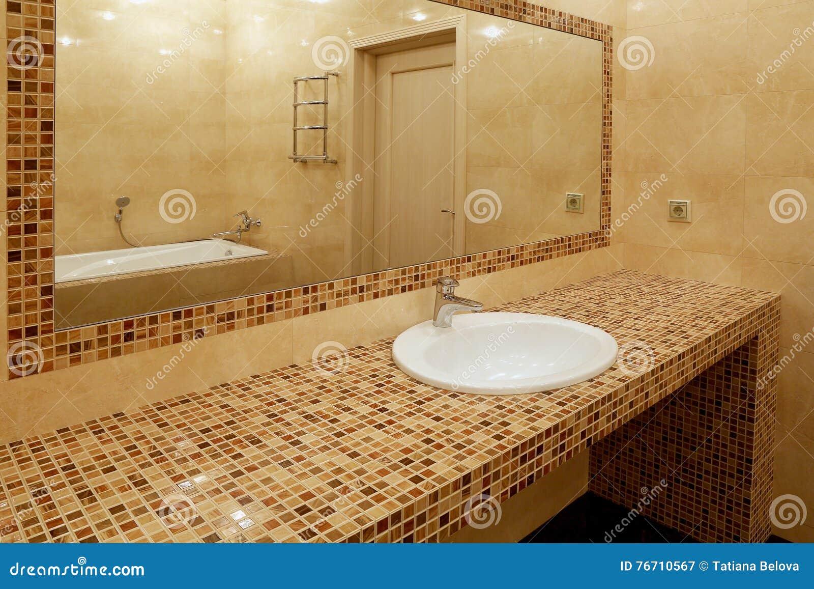 Frammento del bagno di lusso immagine stock immagine di