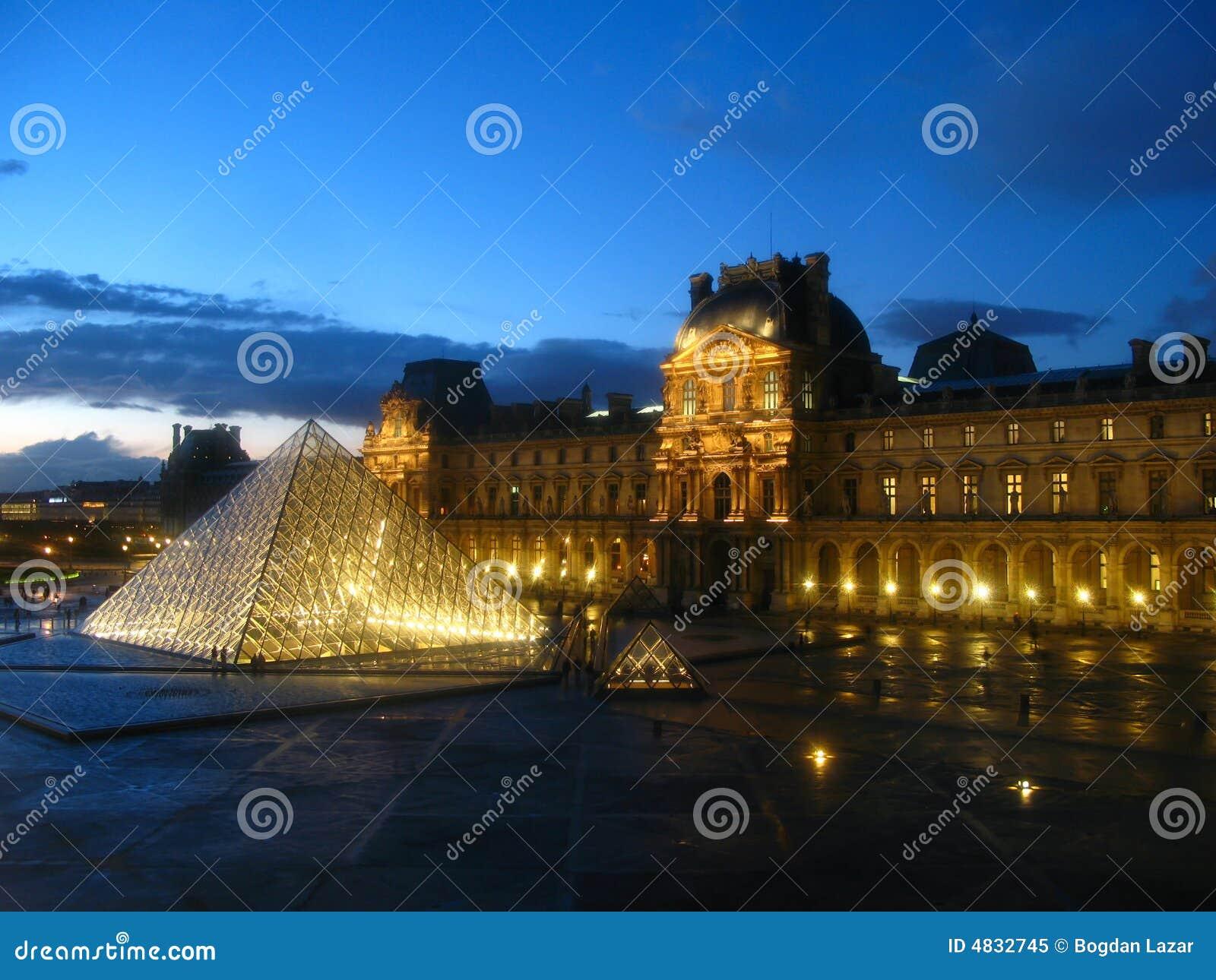 France 04 luwru Paryża