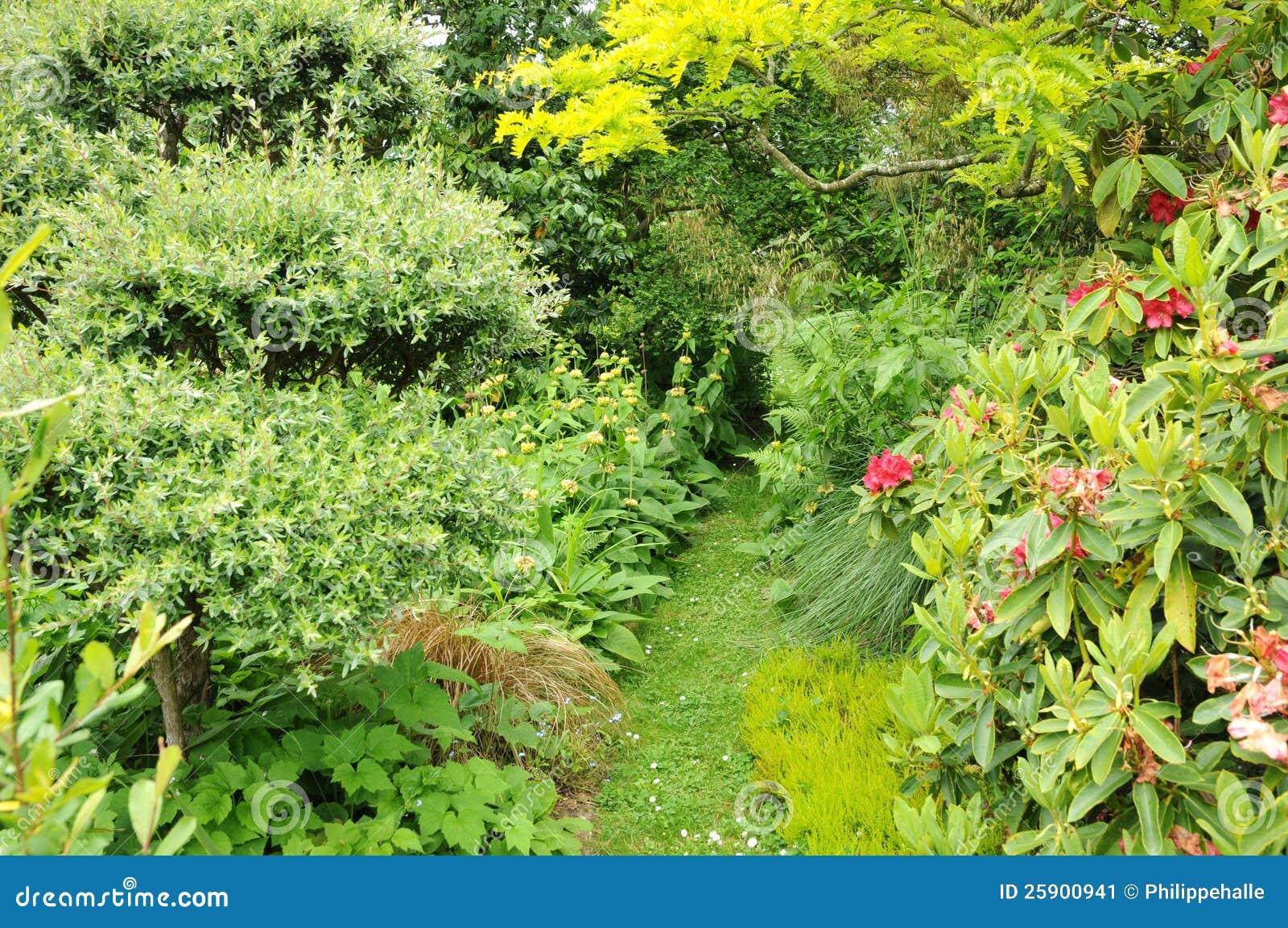 France le jardin de l atelier in perros guirec stock for Jardin en france