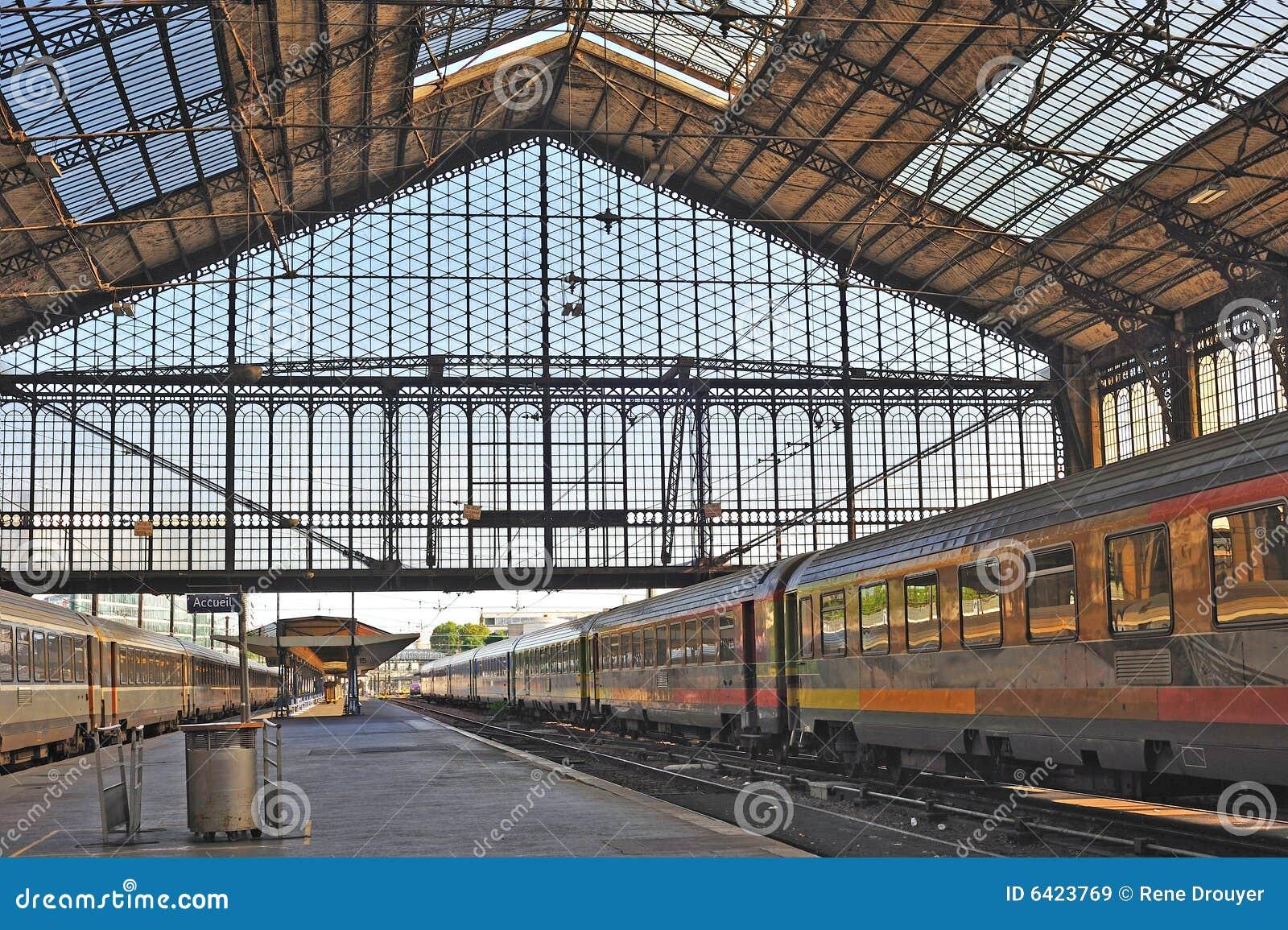 travel parisfrancerailwaystations