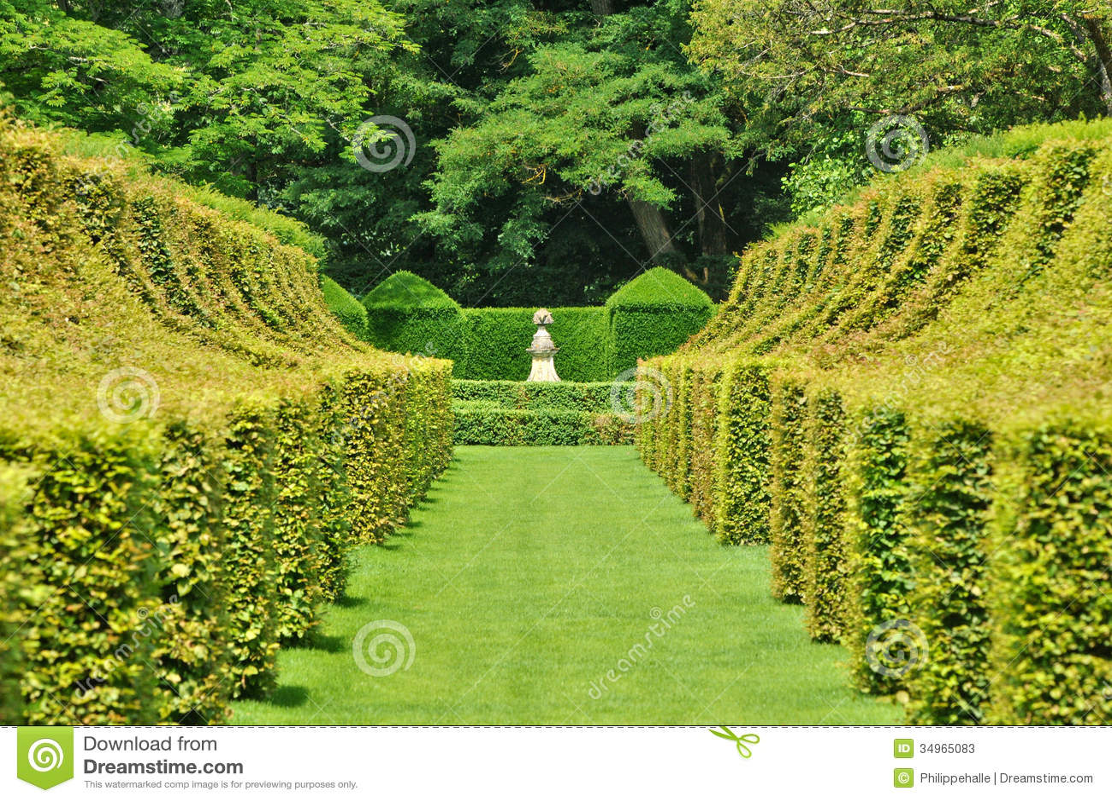 France picturesque jardins du manoir d eyrignac in dordogne stock photos image 34965083 - Jardins du manoir d eyrignac ...