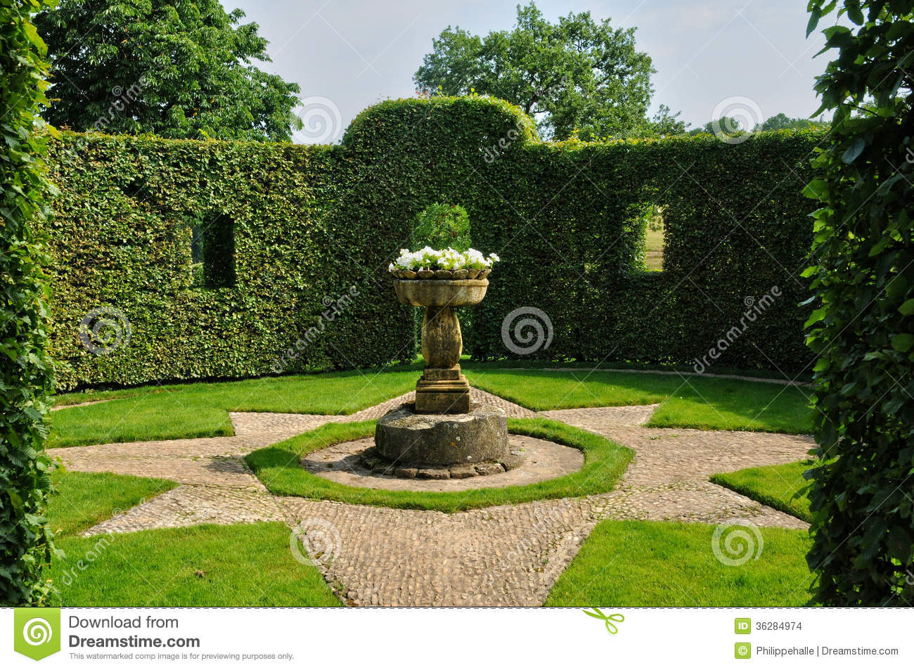 France picturesque jardins du manoir d eyrignac in dordogne stock images image 36284974 - Jardin du manoir d eyrignac ...