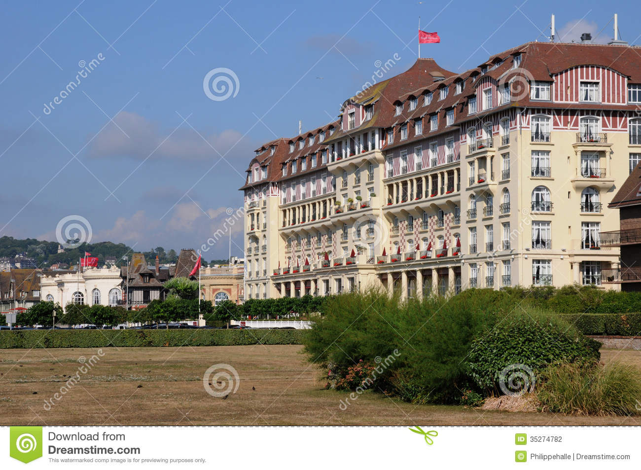 France picturesque royal barriere hotel in deauville in for Hotels deauville