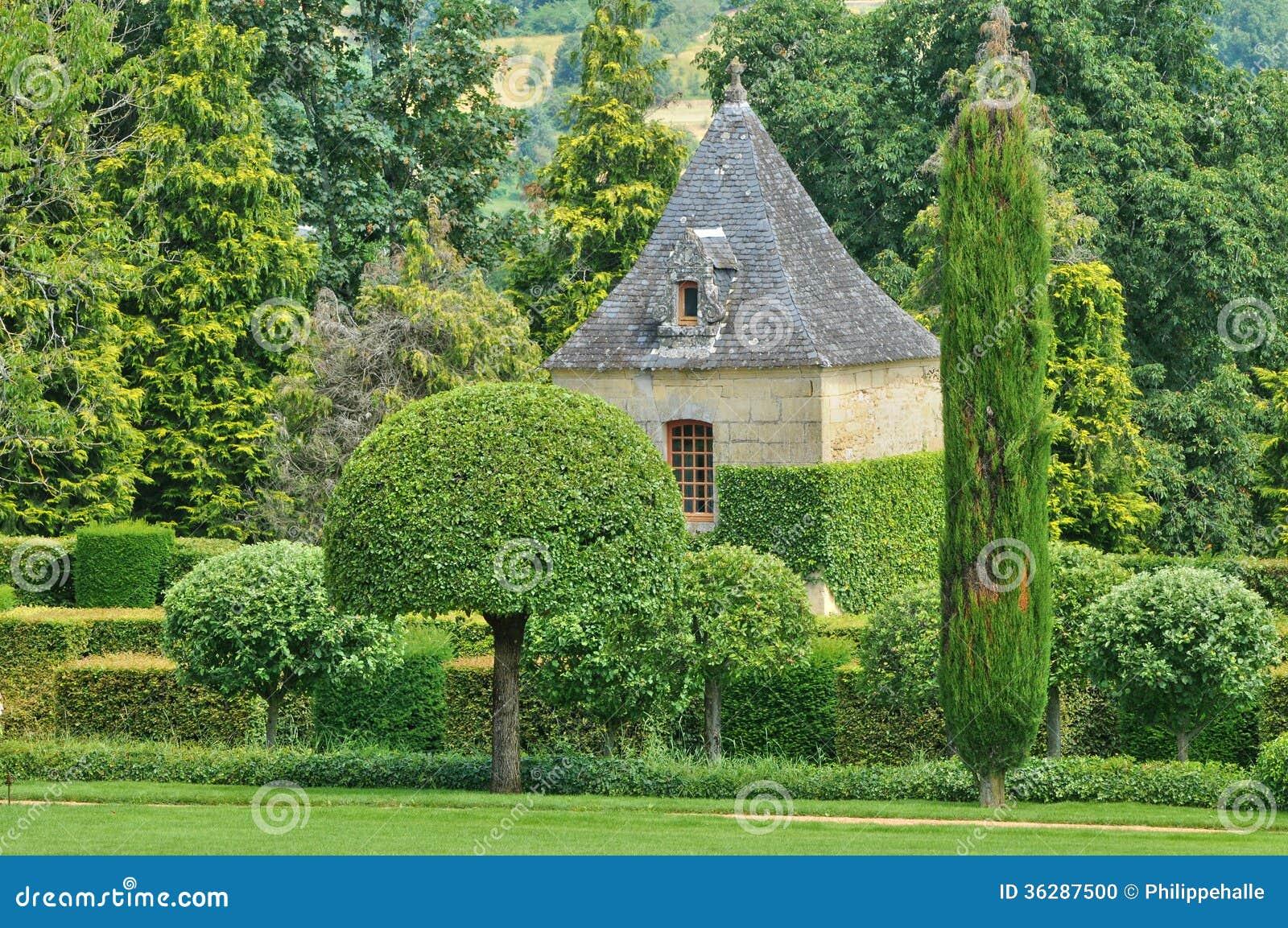 Frances jardins du manoir pittoresque d eyrignac dans dordogne photo stock image du jardinage - Jardins du manoir d eyrignac ...
