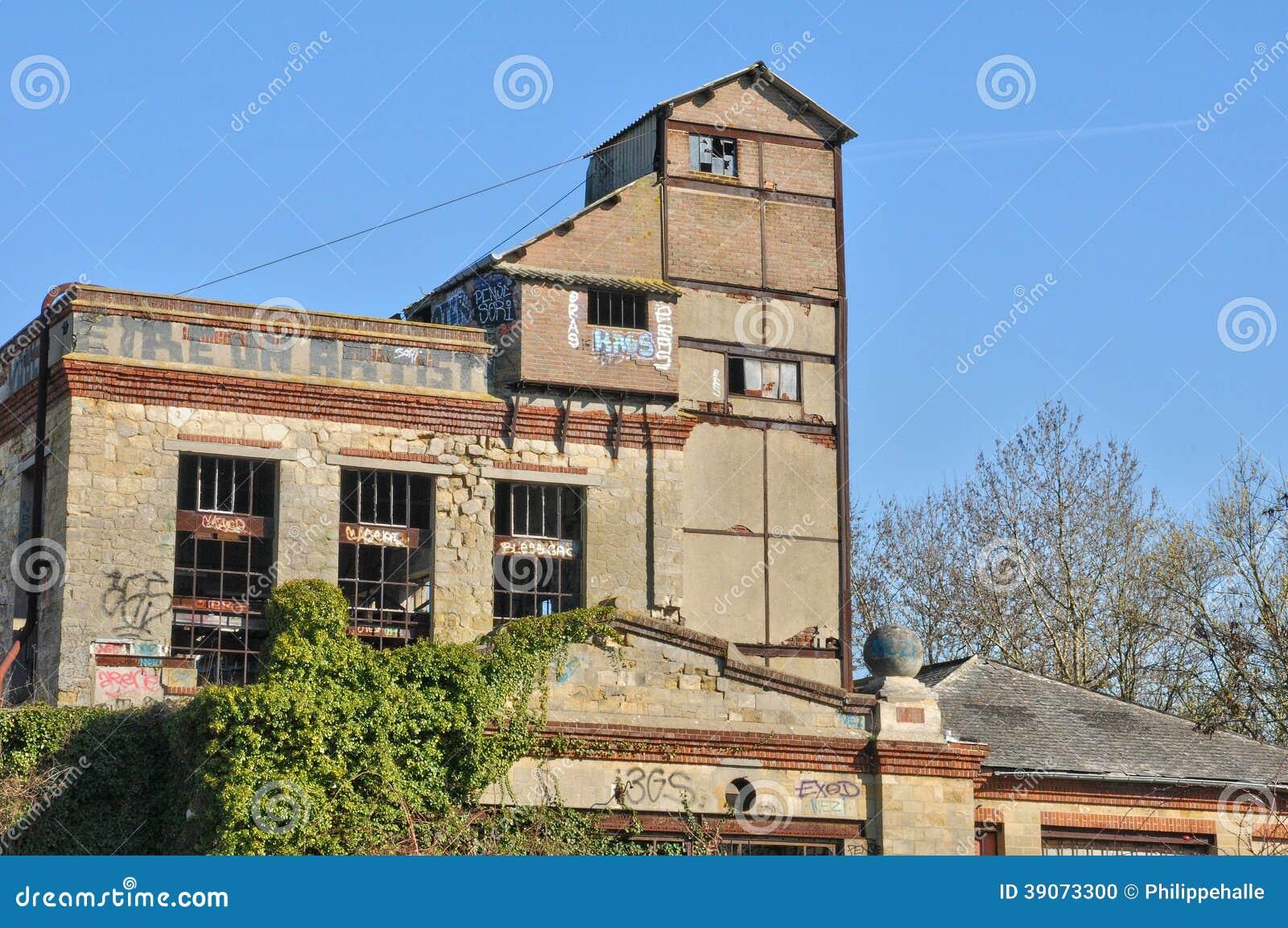 Frances le village de puiseux pontoise en val d l 39 oise image ditorial image 39073300 - Decorateur interieur val d oise ...