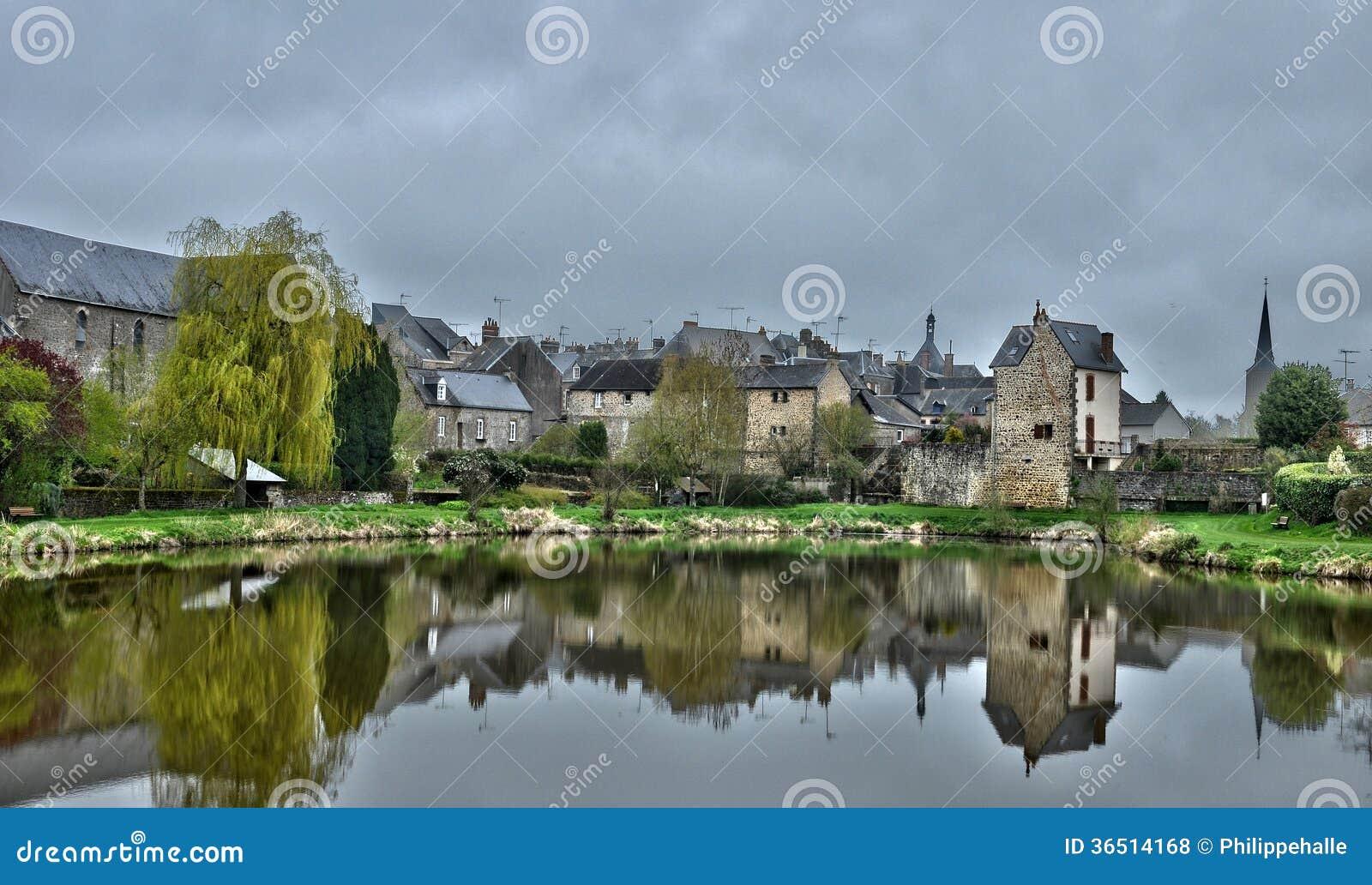 Frances, village pittoresque des Chateaux de les de Lassay en Mayenne