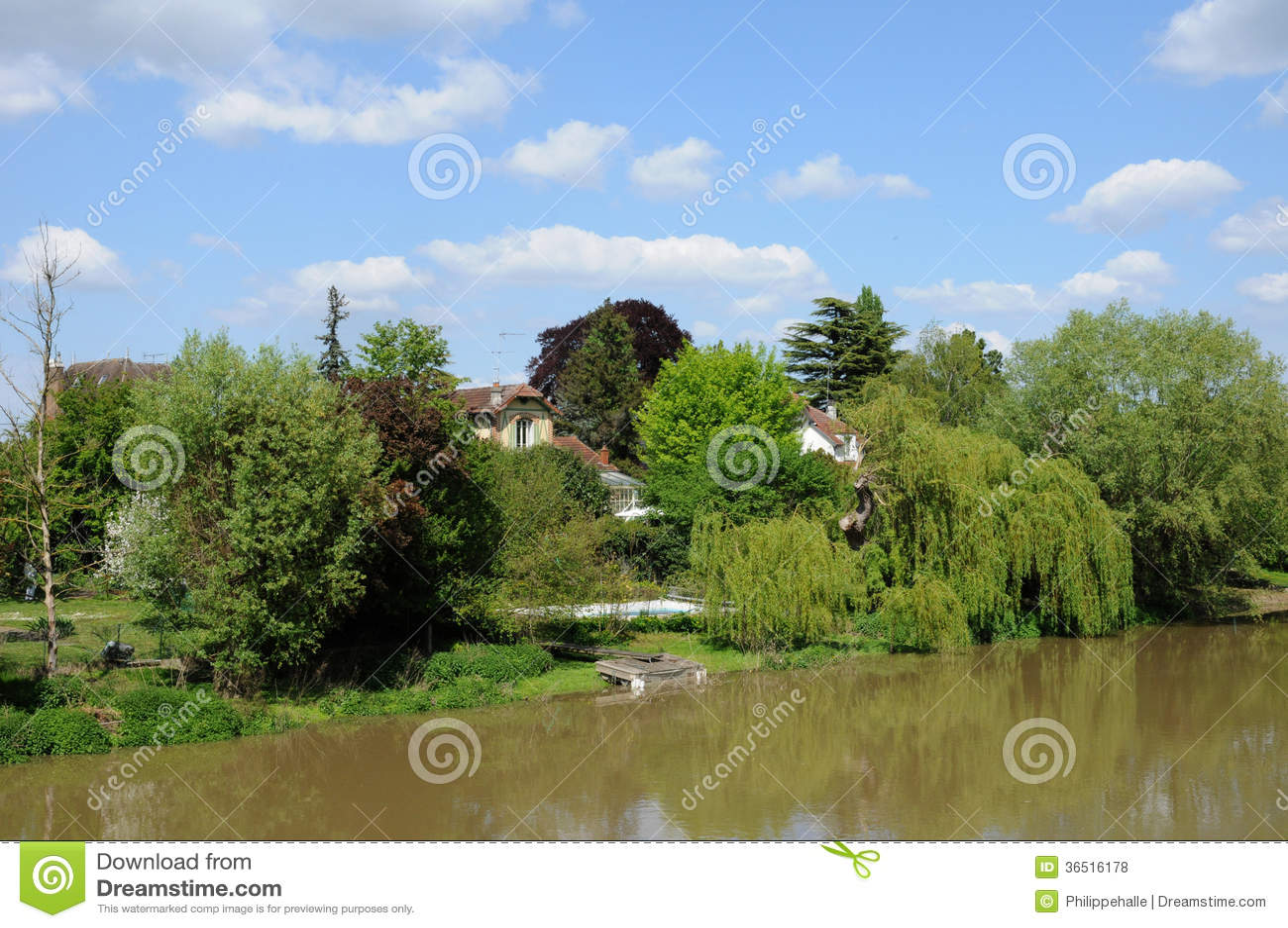 Frances, ville pittoresque Poissy de dans Ile de France