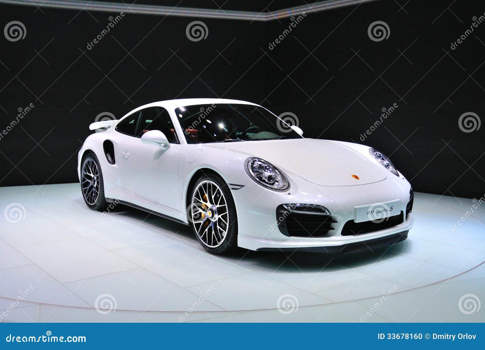 FRANCFORT - SEPTEMBRE 14 : Porsche 911 Turbo S présenté comme prem du monde