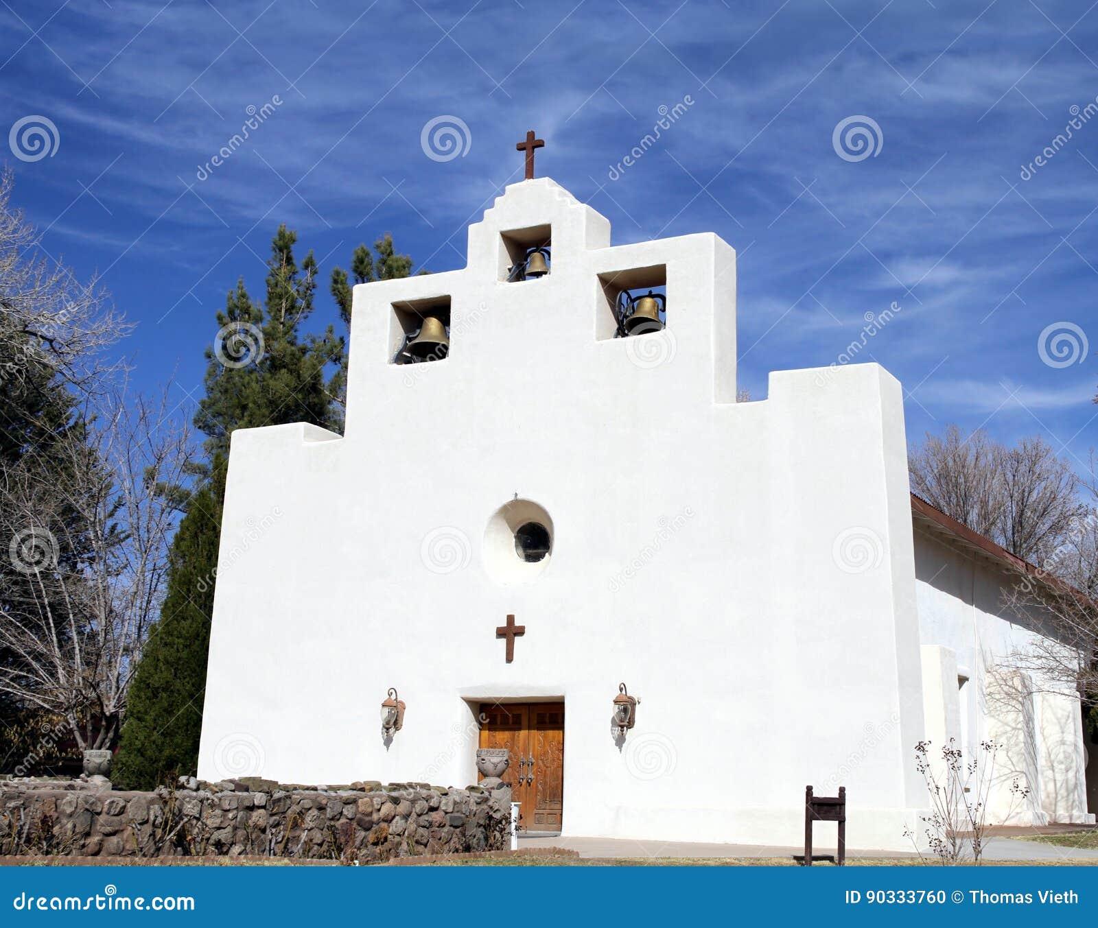 Franciscan beskickningkyrka i Tularosa som är ny - Mexiko