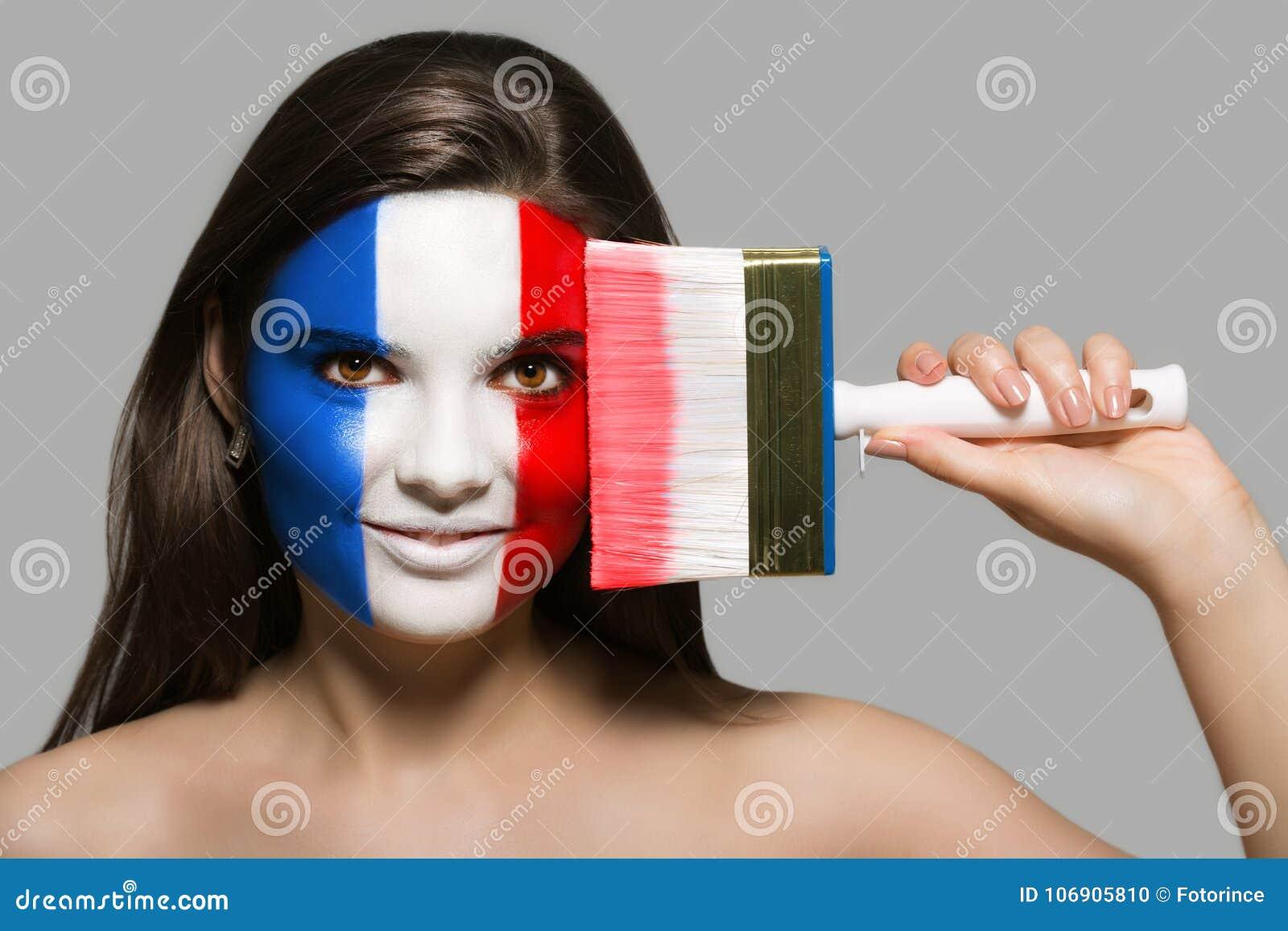 Francja flaga malująca na twarzy