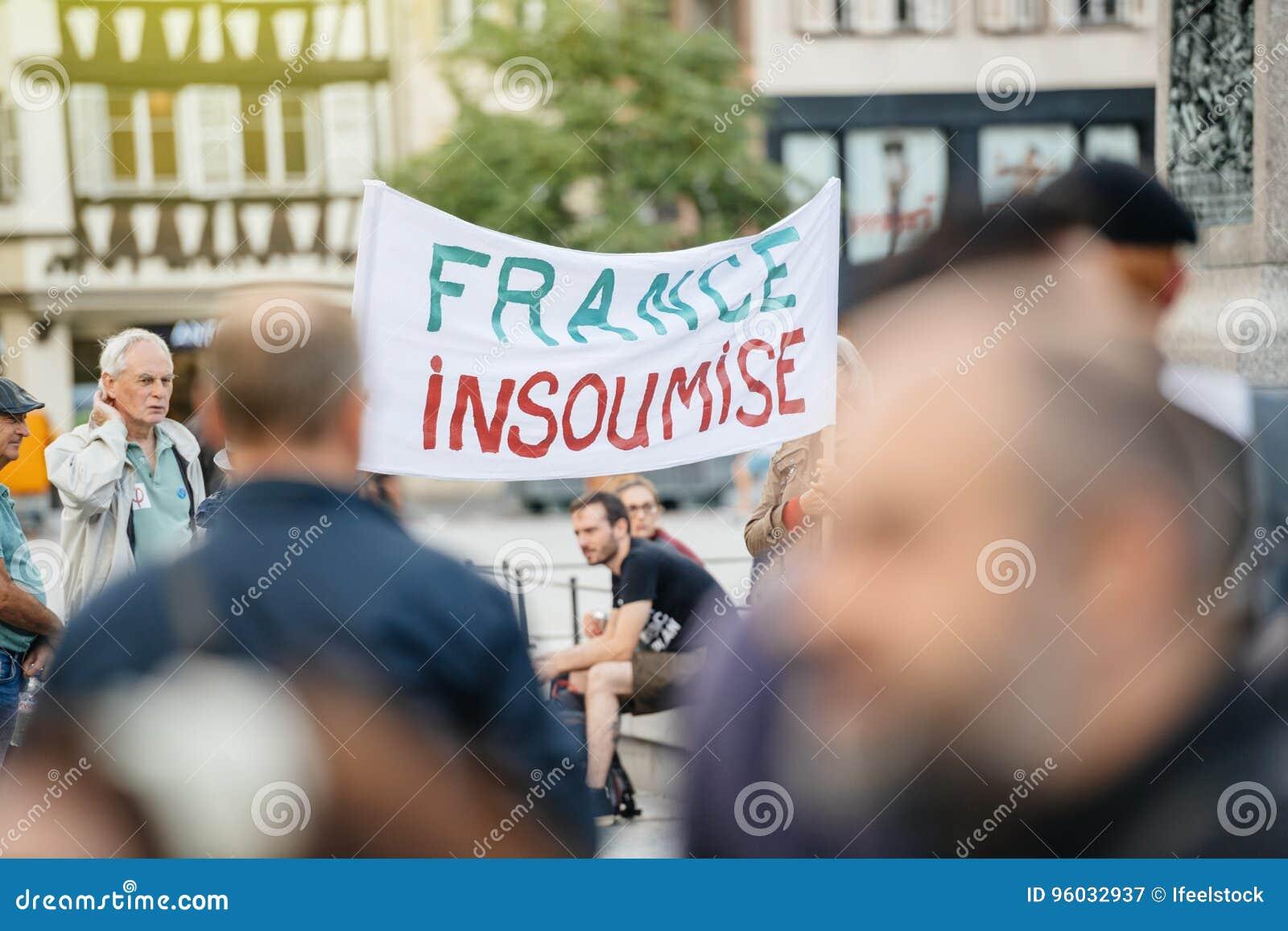 Francja insoumise plakat przy protestem w France