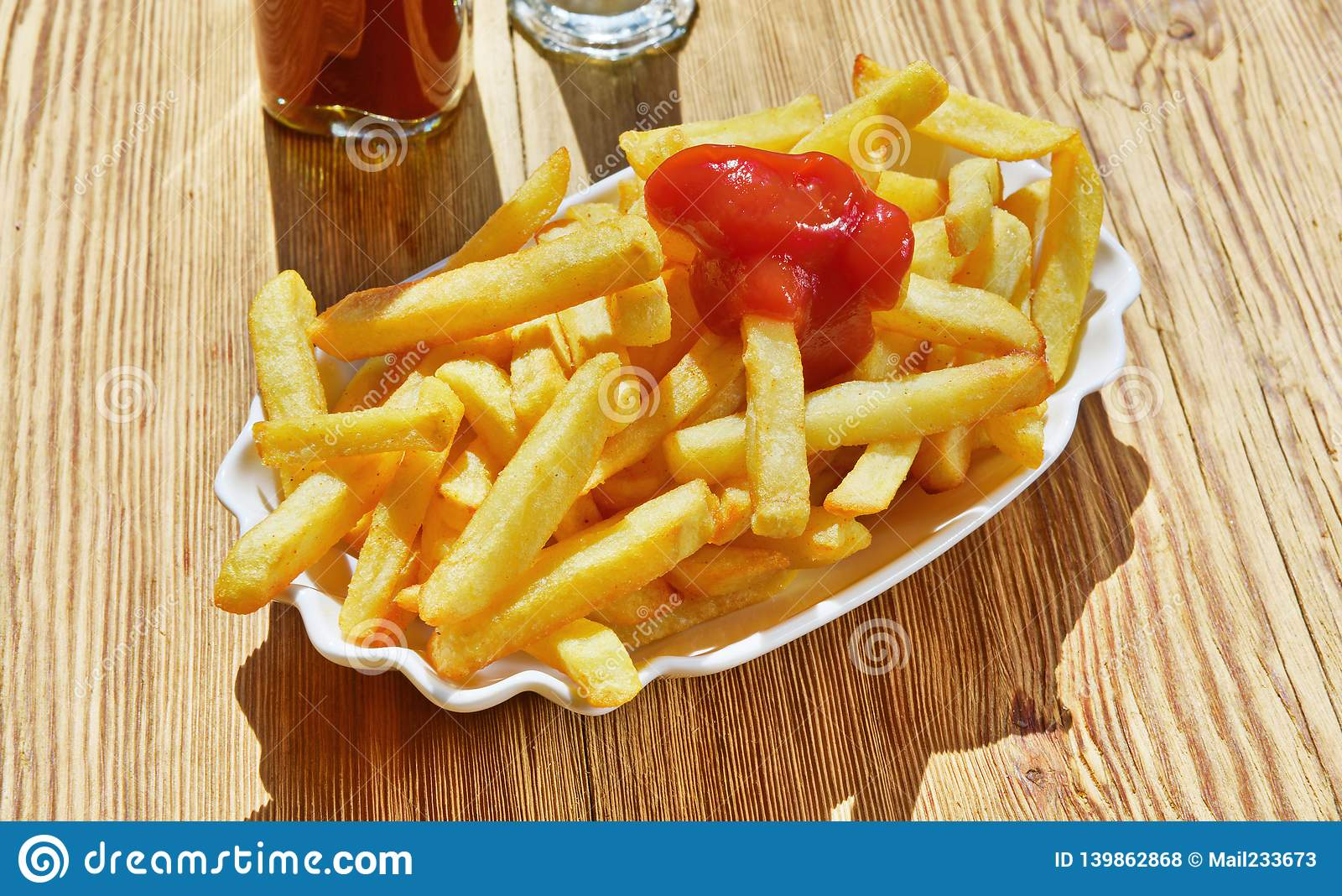 Francuzi fry ketchup