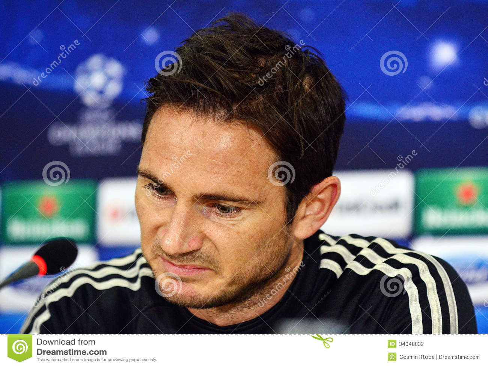 <b>Frank Lampard</b> während der Liga-Pressekonferenz UEFA Cheampions <b>...</b> - frank-lampard-w%25C3%25A4hrend-der-liga-pressekonferenz-uefa-cheampions-34048032