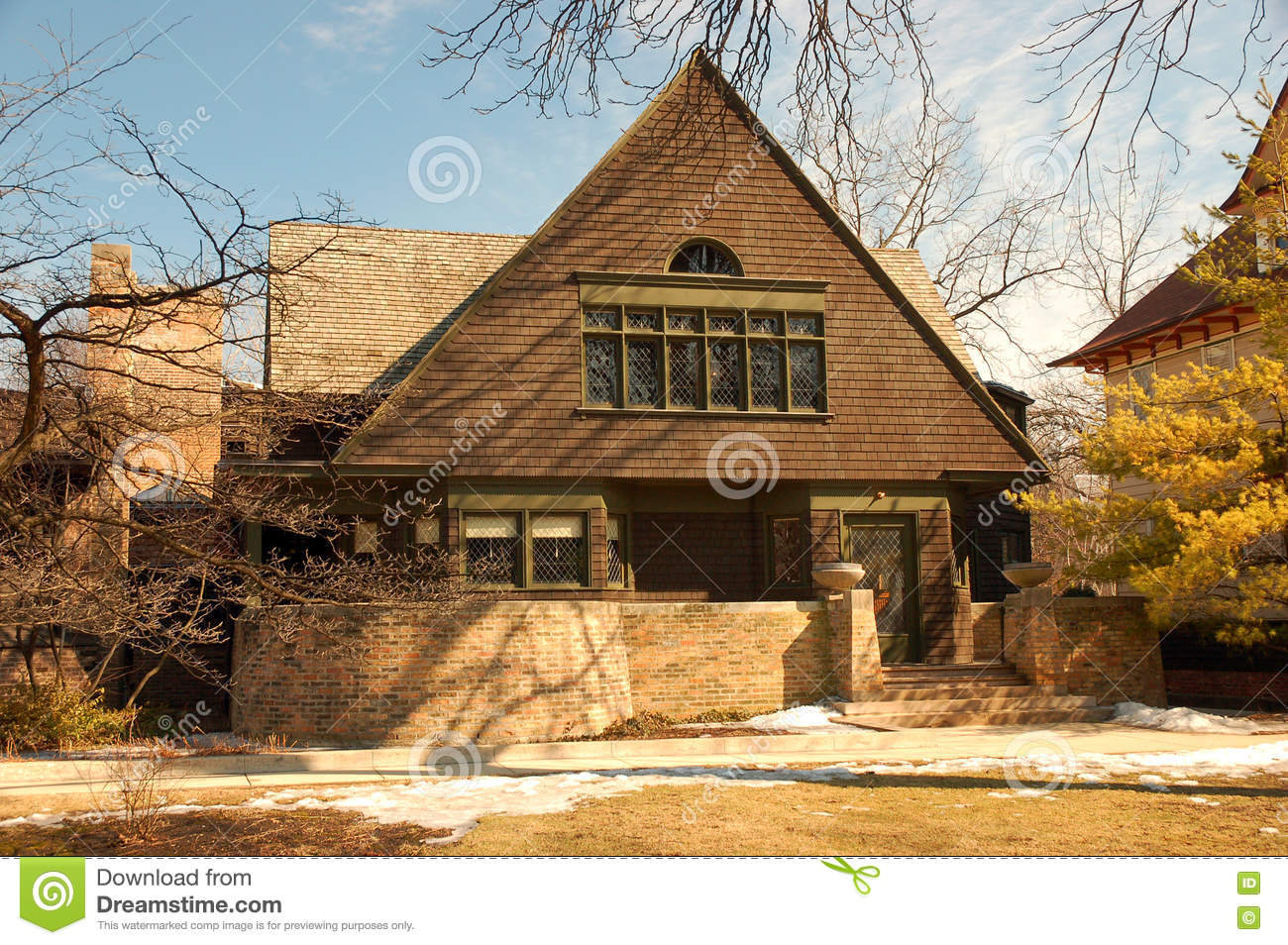 Frank lloyd wrights home in oak park illinois editorial for Franks homes