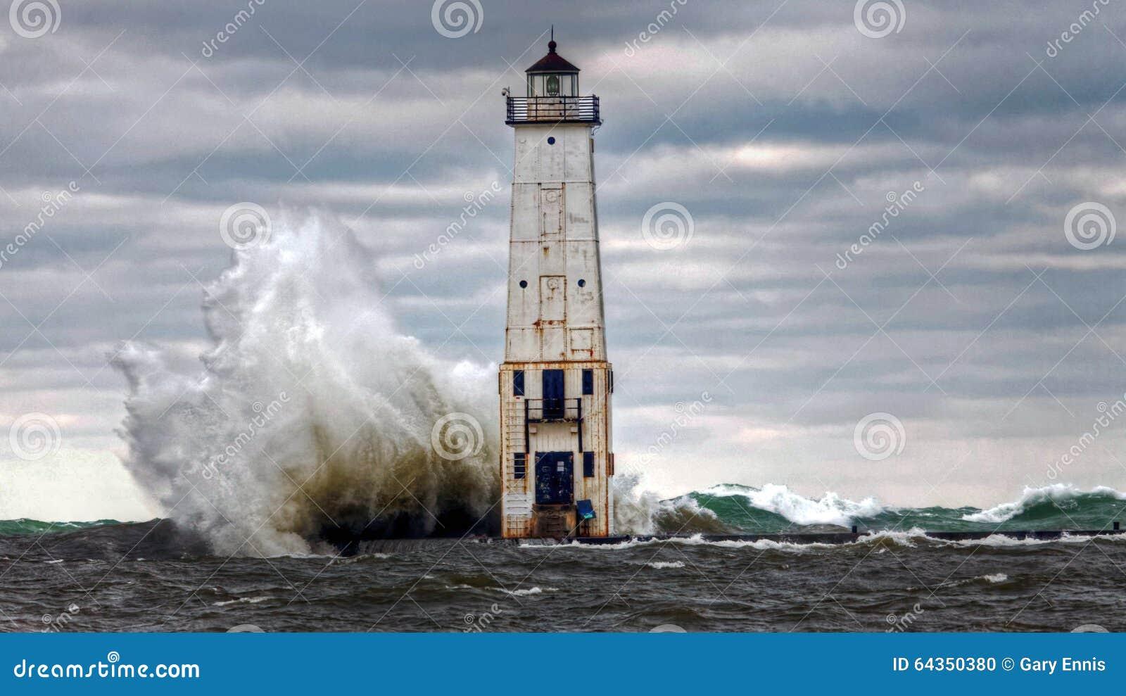 Frankfort latarnia morska, Rozbija macha na jezioro michigan