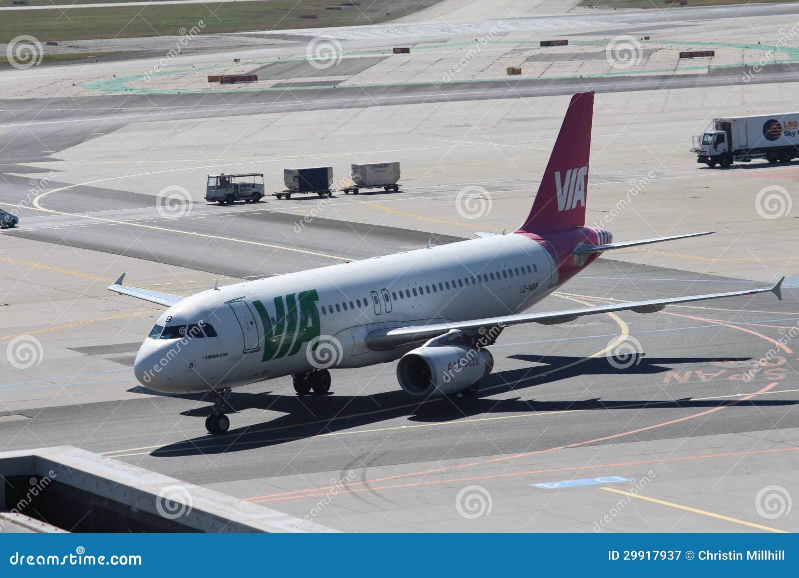Samoloty przy Frankfurt lotniskiem
