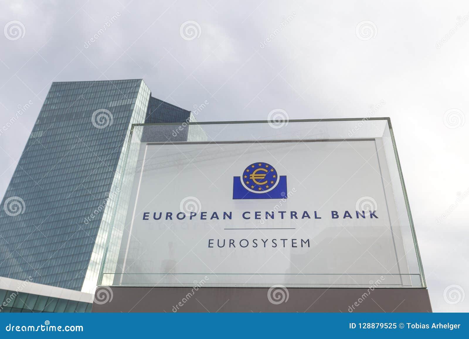 Frankfurt Hesse, Germany,/- 11 10 18: europejskiego banka centralnego budynek podpisuje wewnątrz Frankfurt Germany