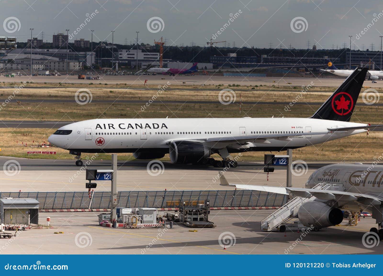 Frankfurt Hesse, Germany,/- 25 06 18: lotniczy Canada samolotowy lądowanie przy Frankfurt lotniskiem Germany