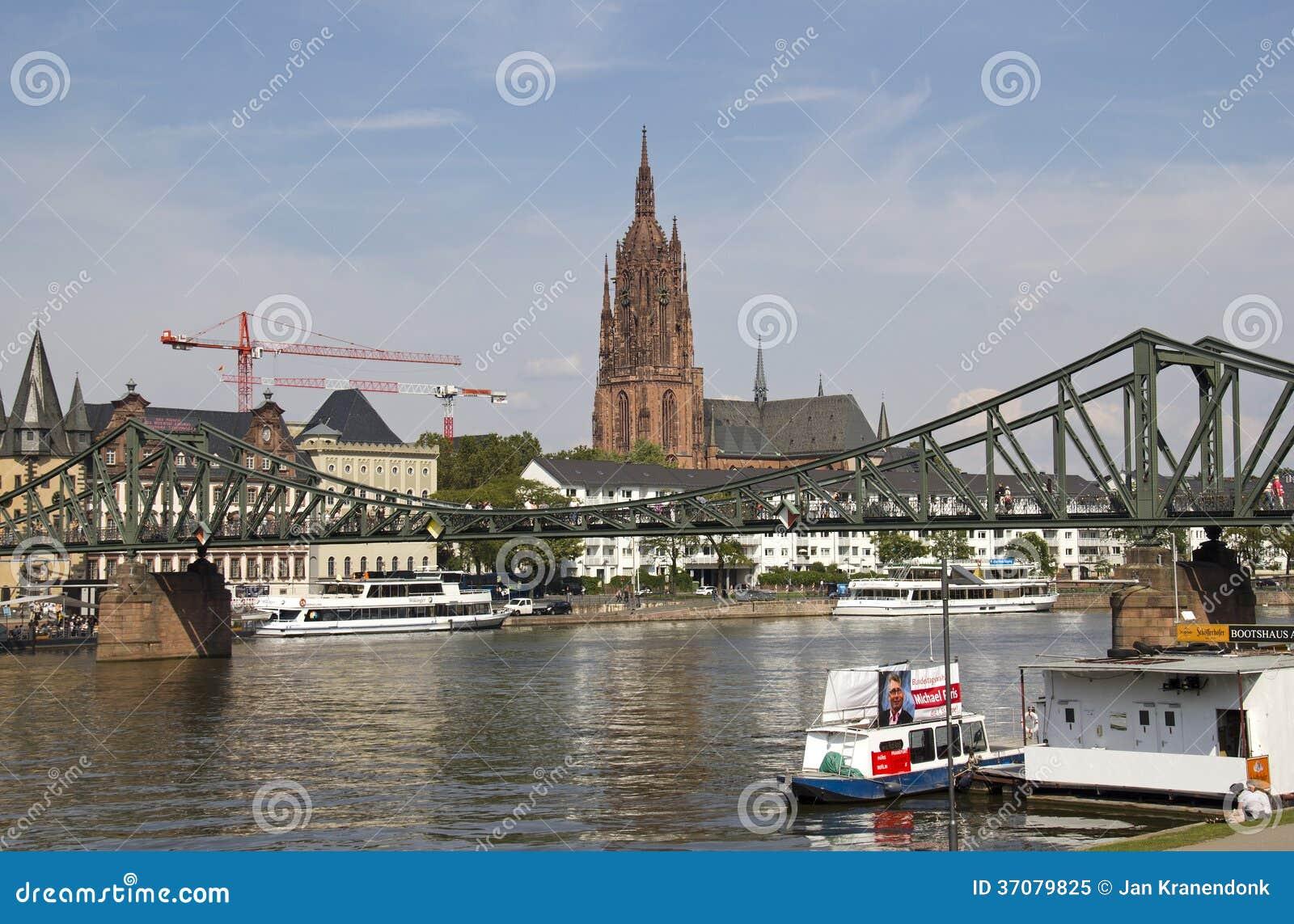 Download Frankfurt katedra obraz editorial. Obraz złożonej z magistrala - 37079825