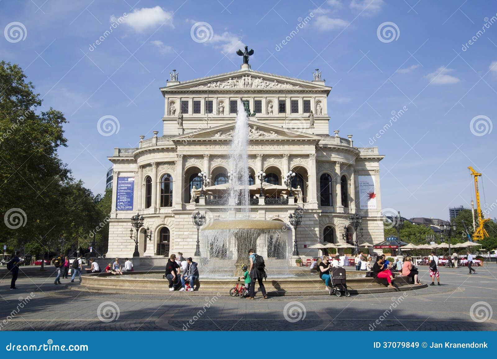 Download Frankfurt opera obraz stock editorial. Obraz złożonej z pogodny - 37079849