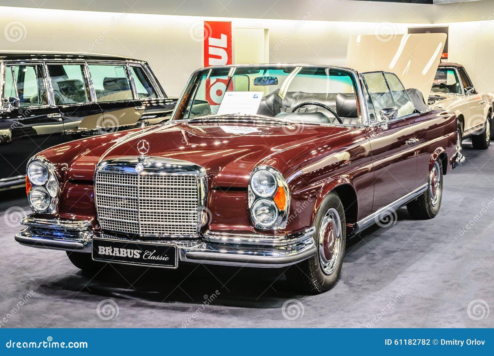 Mercedes benz 280sl car vehicl wrap mercedes benz merced pagoda - Frankfurt Sept 2015 Brabus Classic Mercedes Benz 280 Se 3 5 C Stock Photography