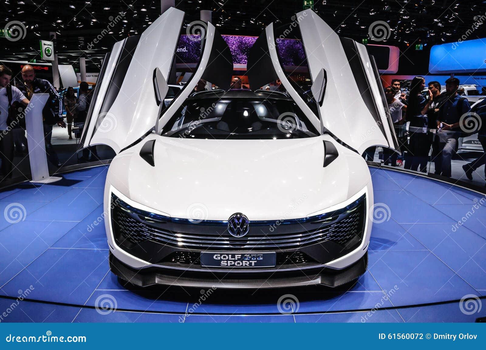 FRANKFURT - SEPT 2015: Volkswagen VW Golf sport som framläggas på IAA