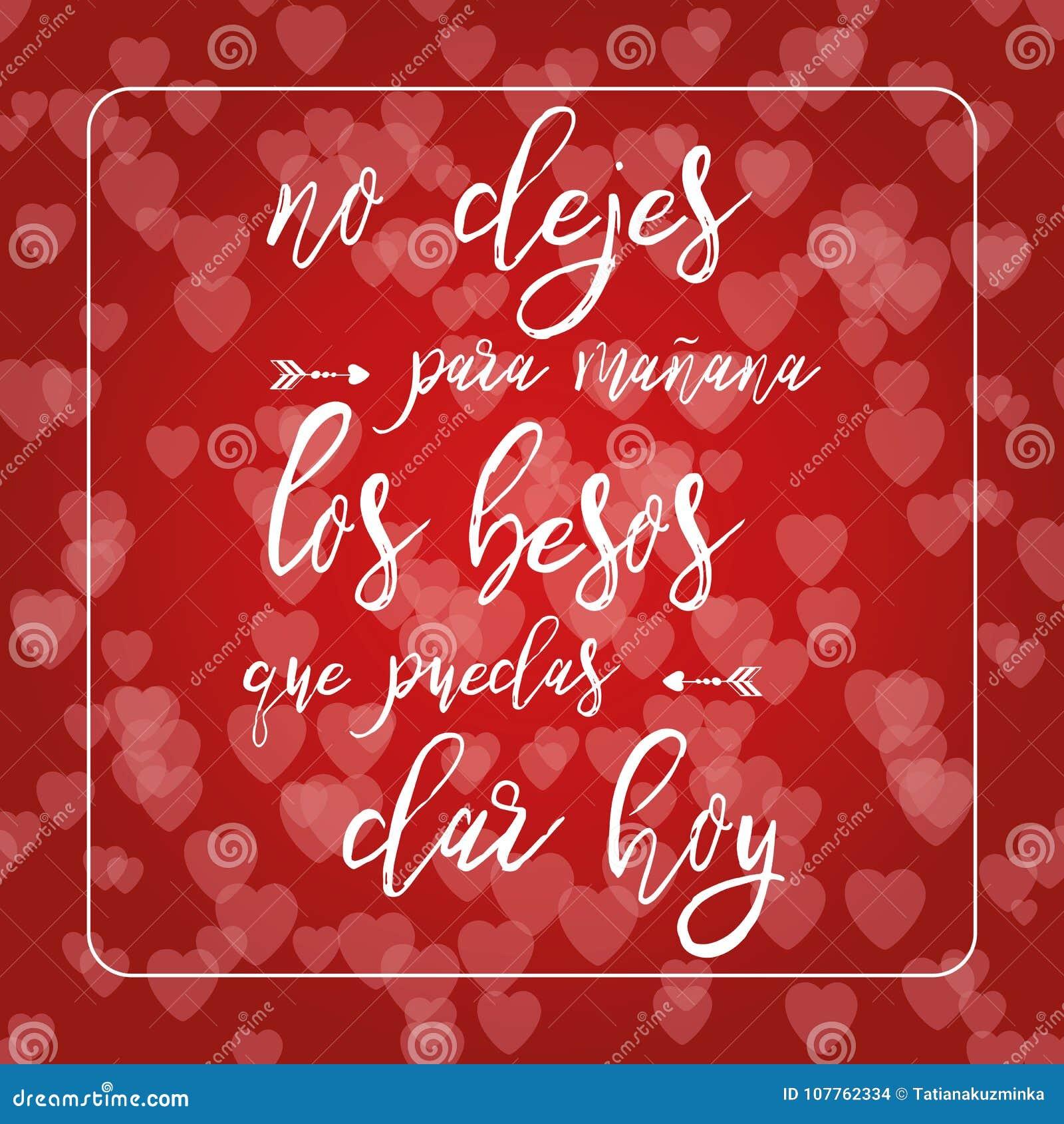 Frase sobre amor en fondo rojo del bokeh de los corazones Tarjeta romántica Elemento de las letras Texto en español