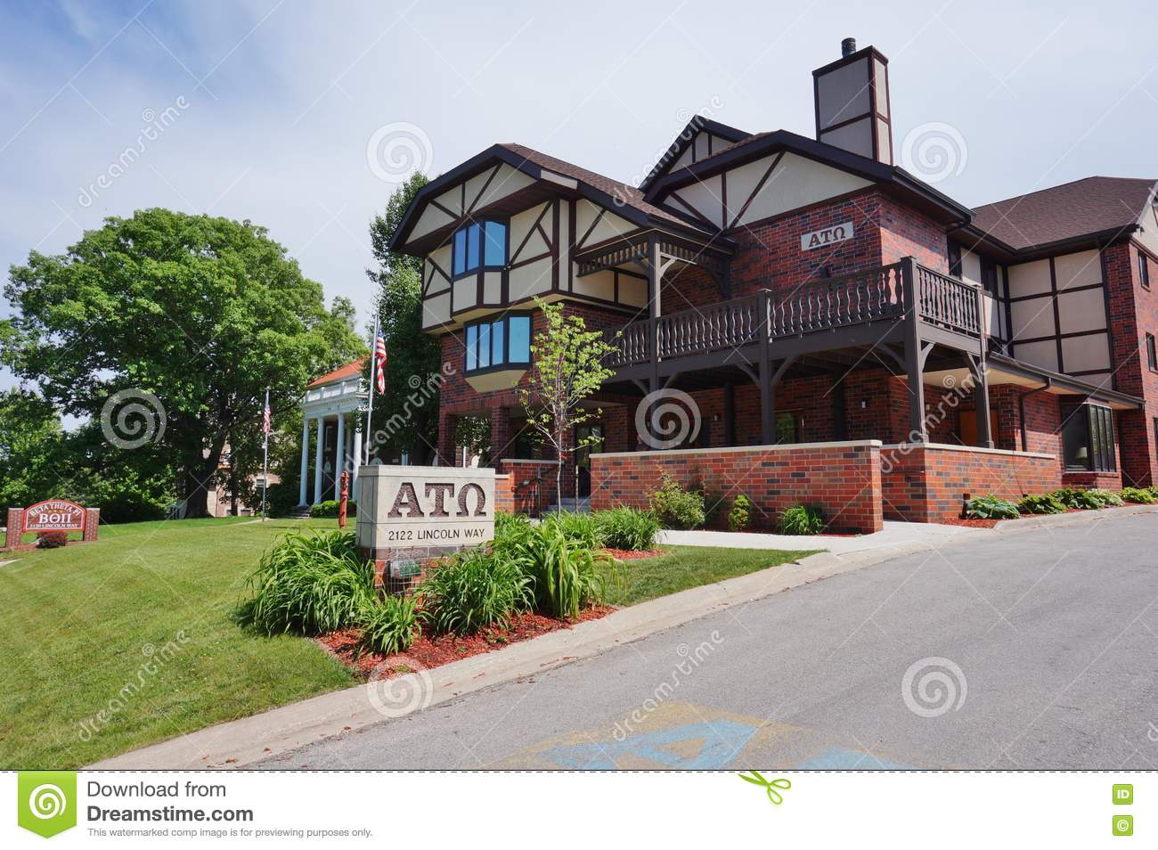 Fraternity and sorority houses at iowa state university for Design homes ames iowa