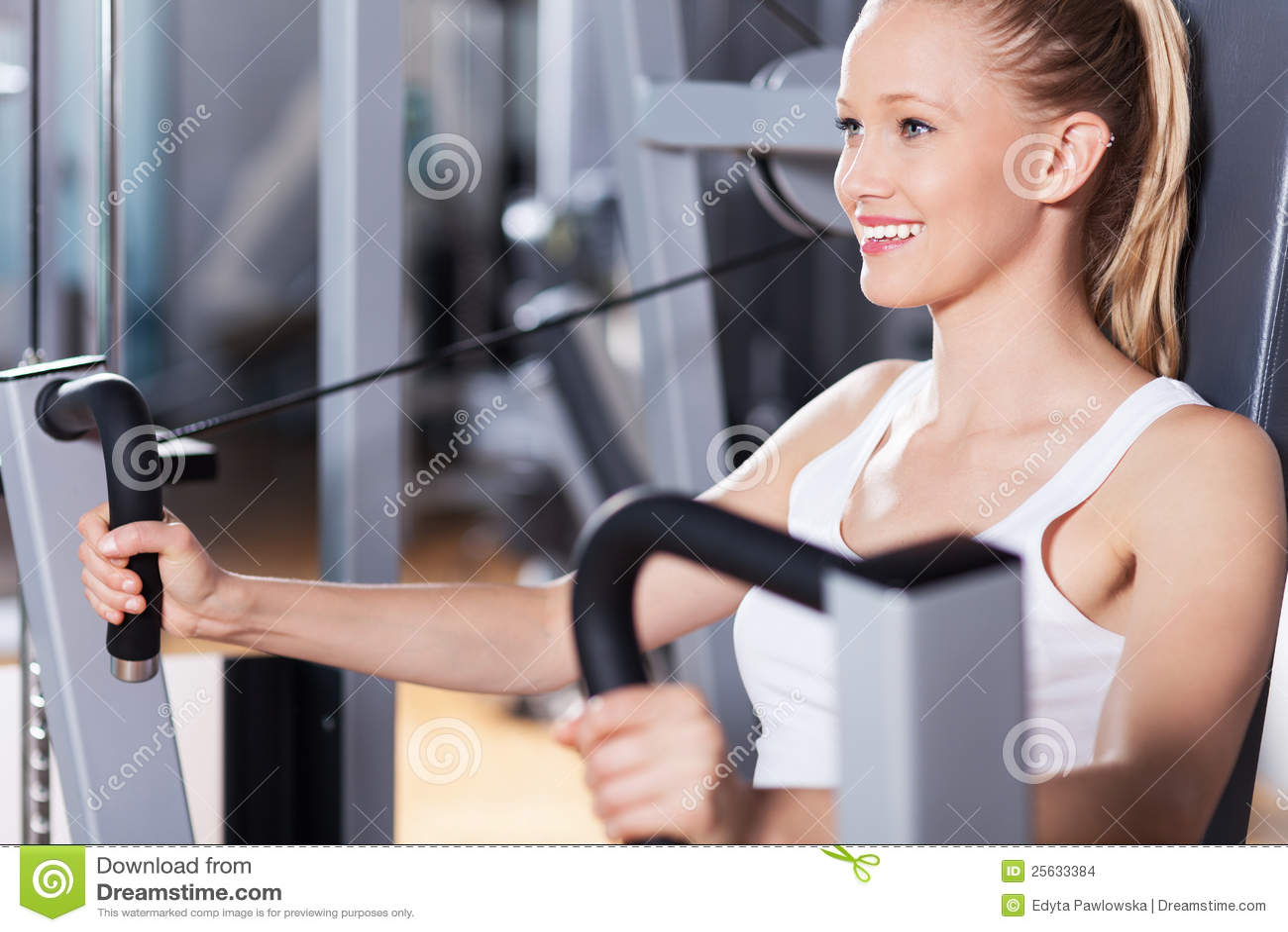 Frau an der Gymnastik