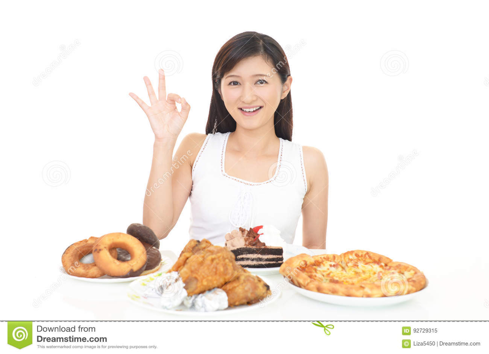 Frau, die Mahlzeiten isst