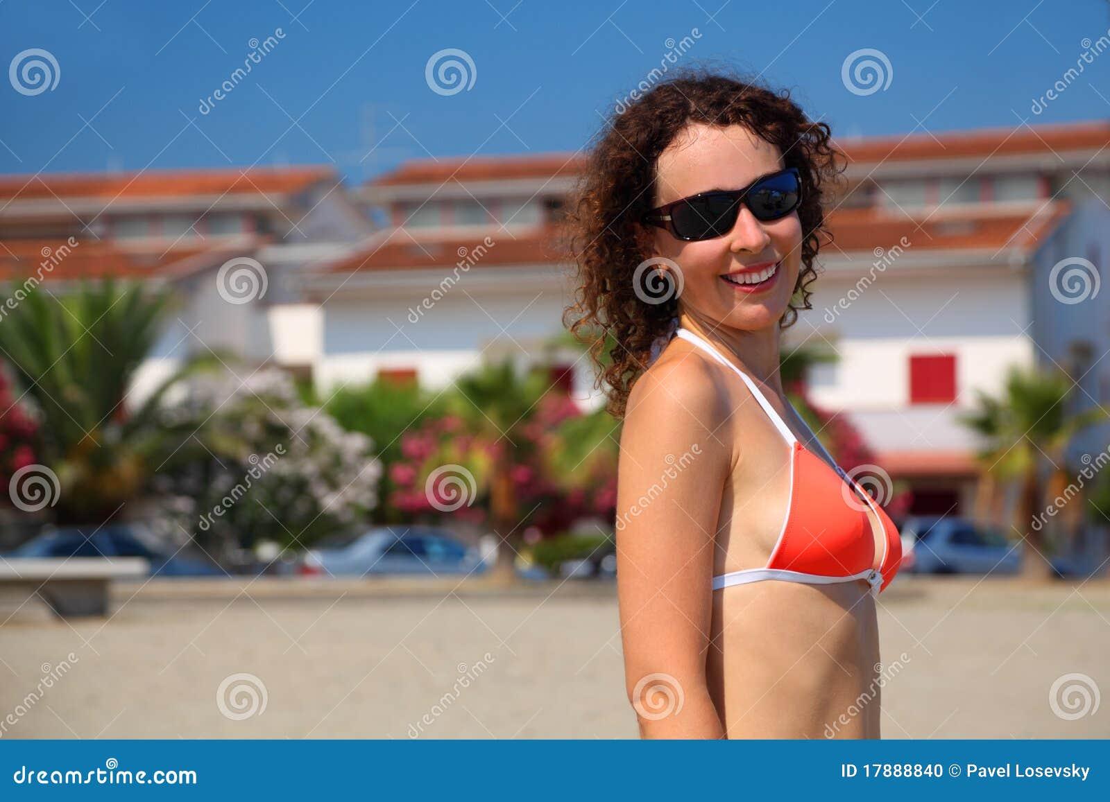 reise Mehr Frauen im Badeanzug article.