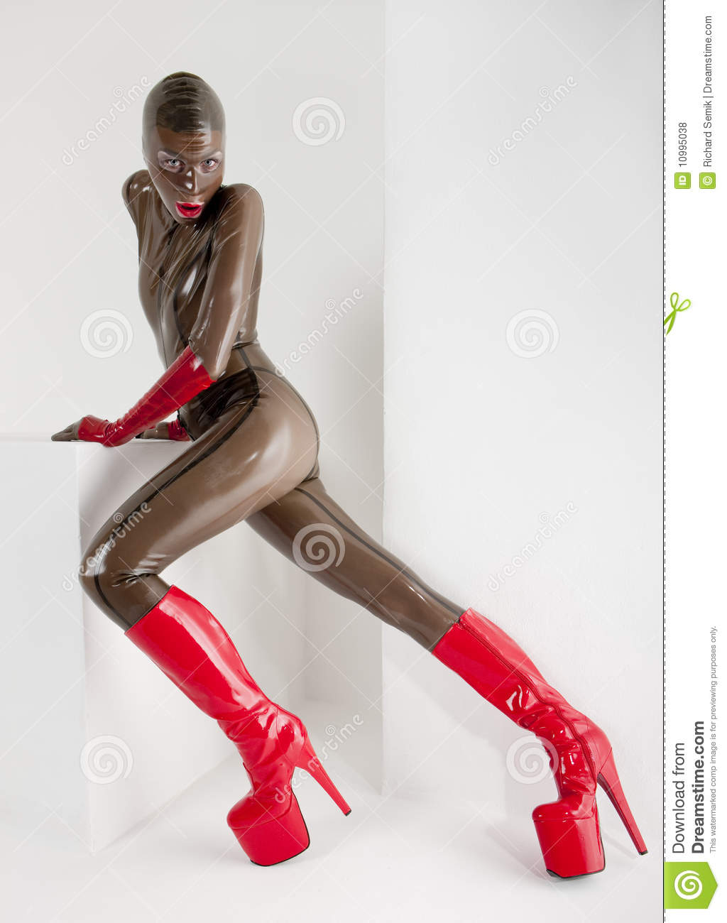 Frau Latex