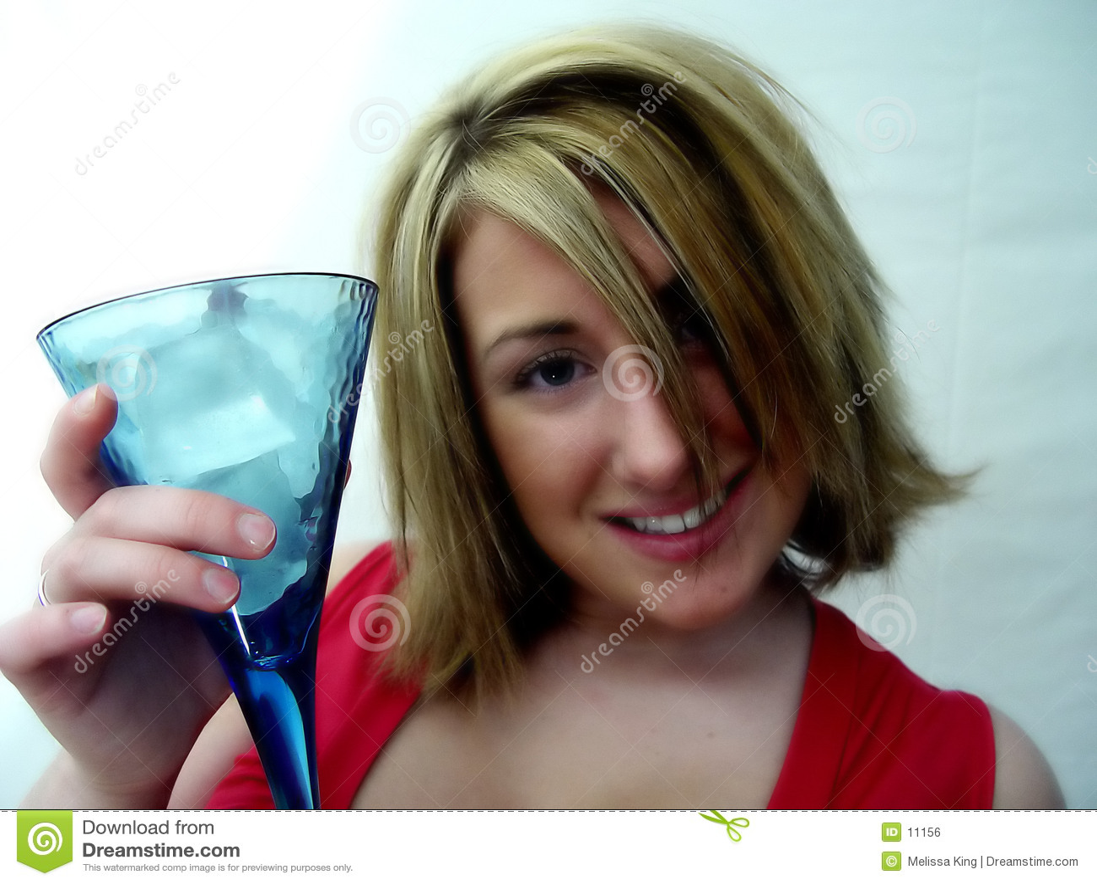 Frau mit Getränk