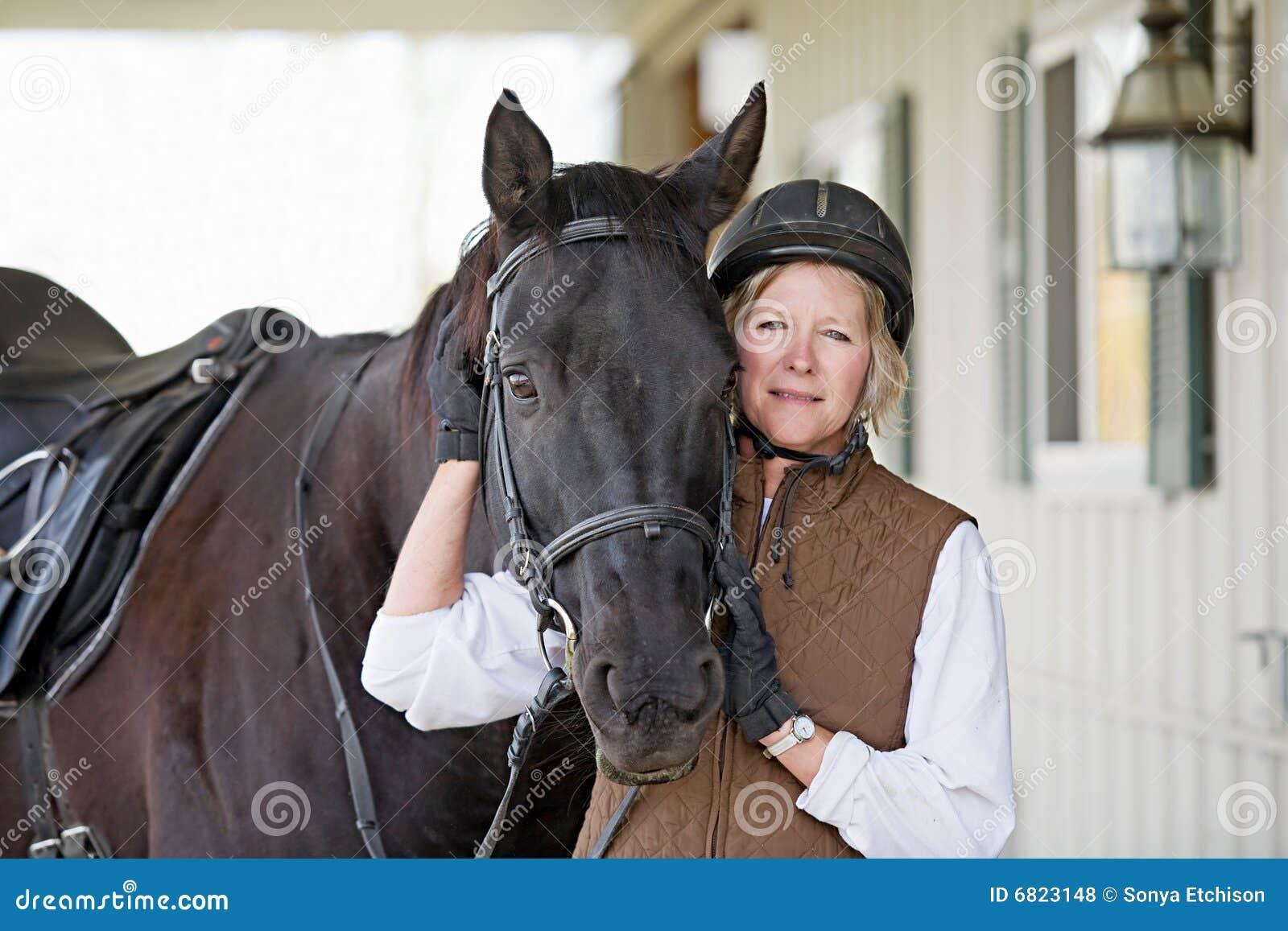 frau wird vom pferd gefickt