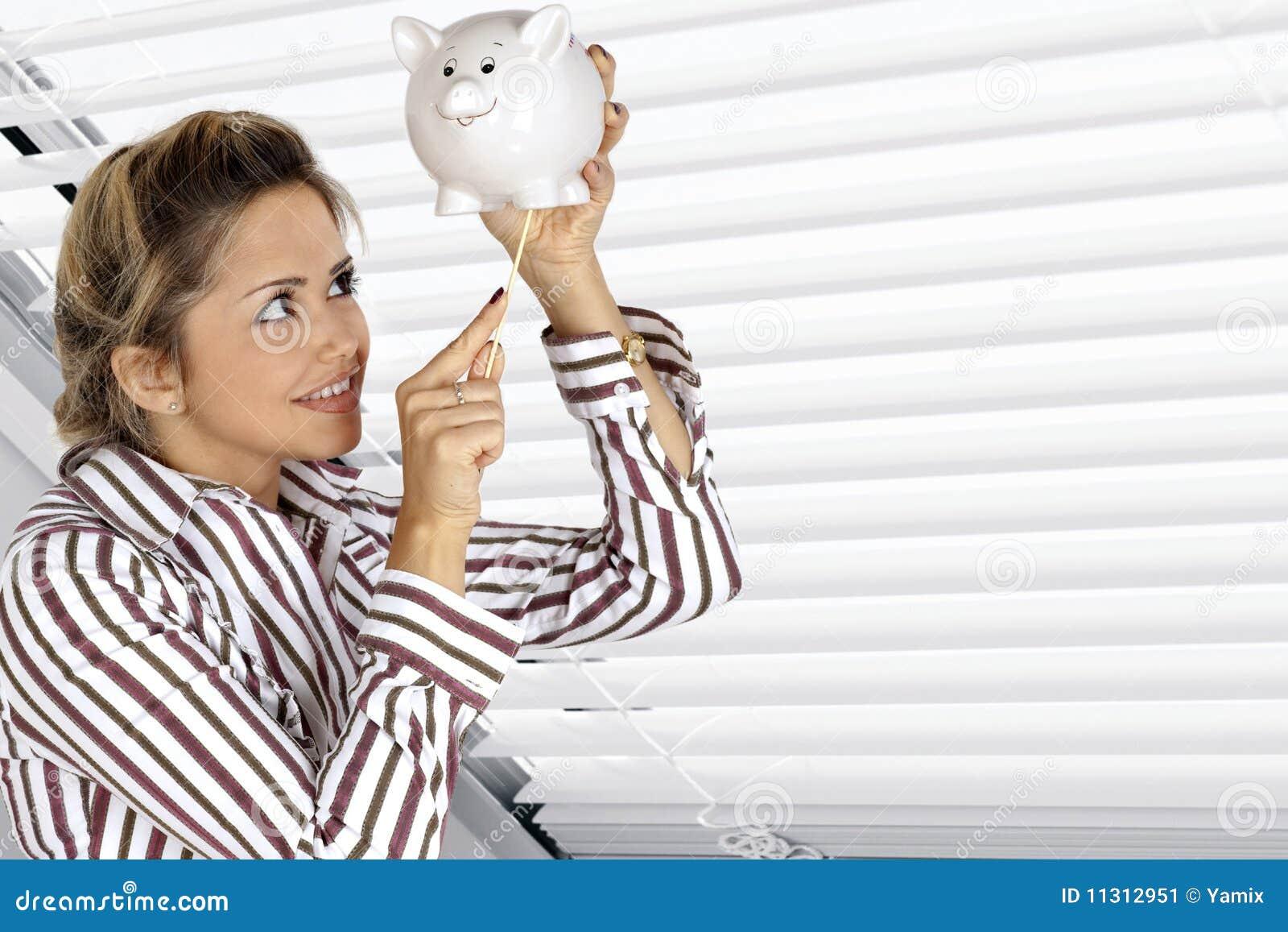 Frau und Piggy Querneigung