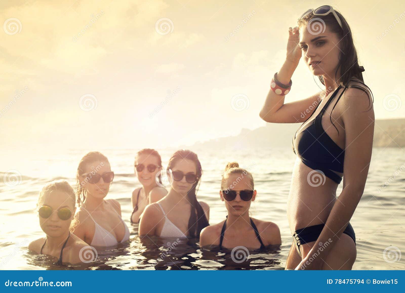 Frauen im Meer