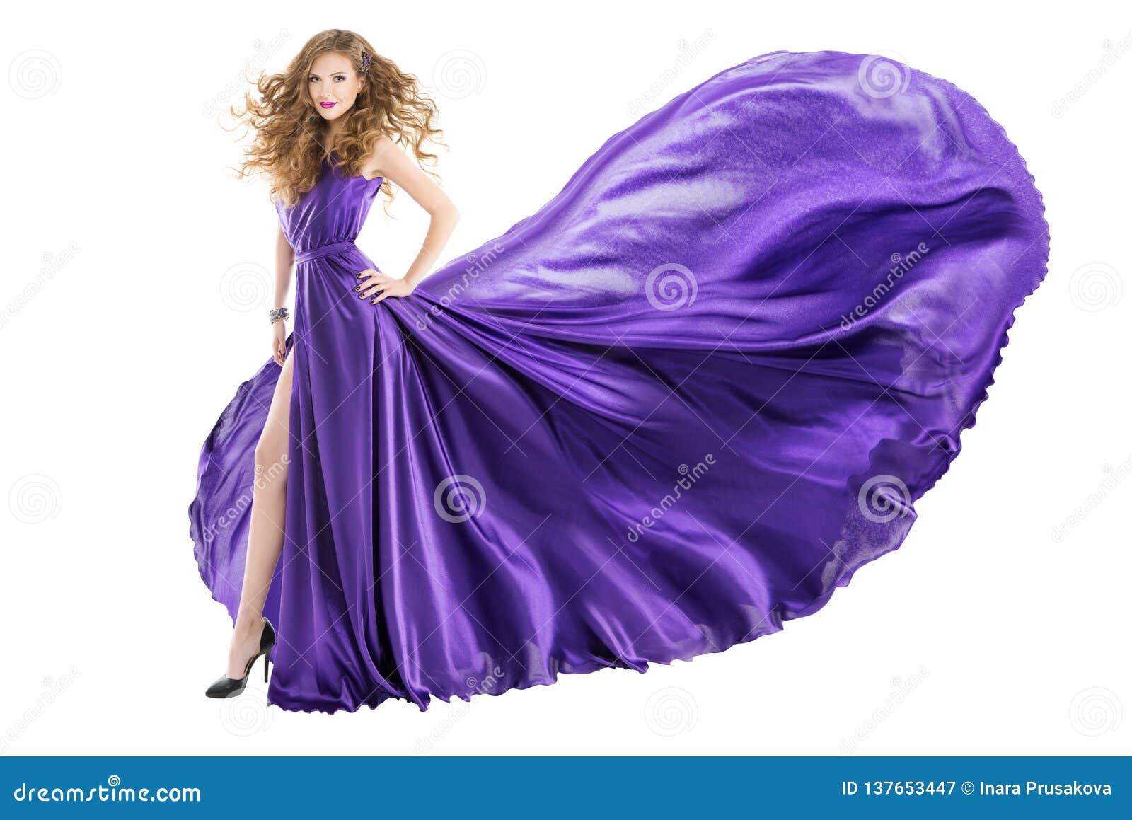 Frauen-purpurrotes Kleid, Mode-Modell im langen wellenartig bewegenden flatternden Kleid