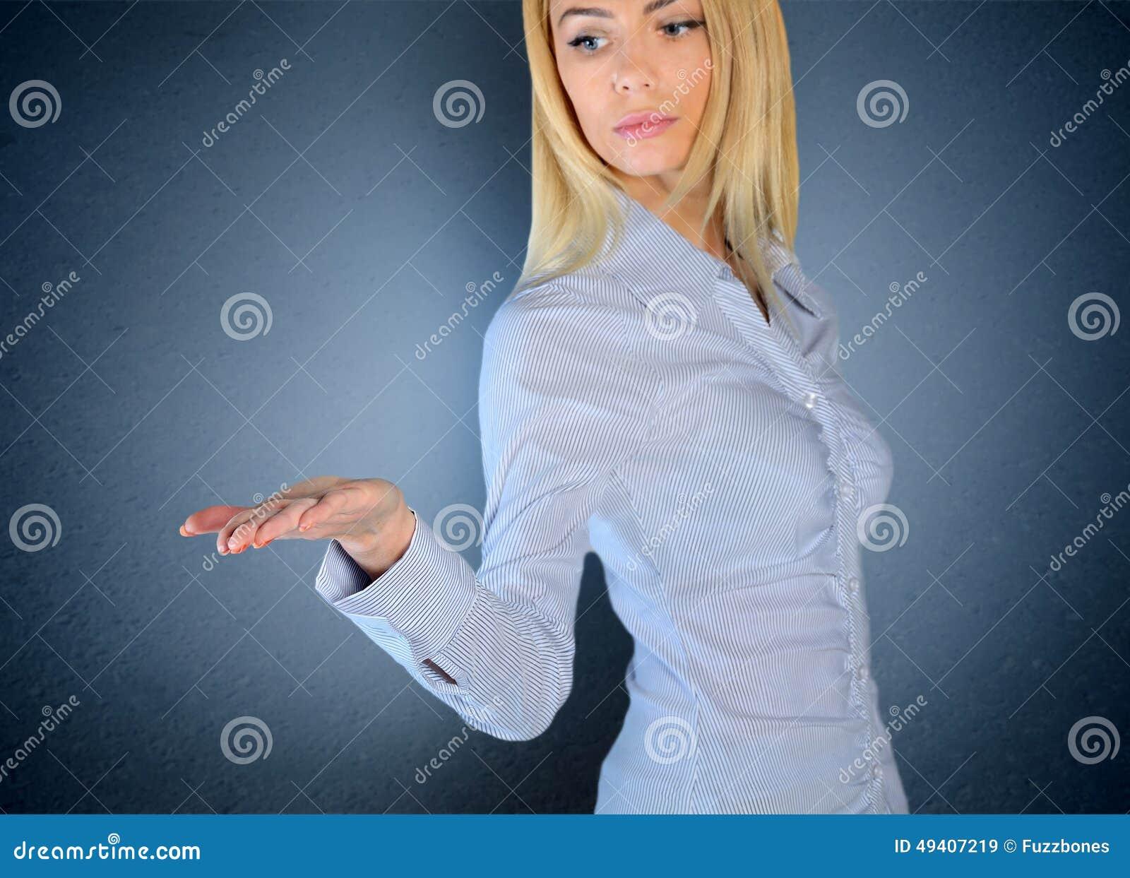 Download Frauenholding nichts stockbild. Bild von nett, bildschirmanzeige - 49407219