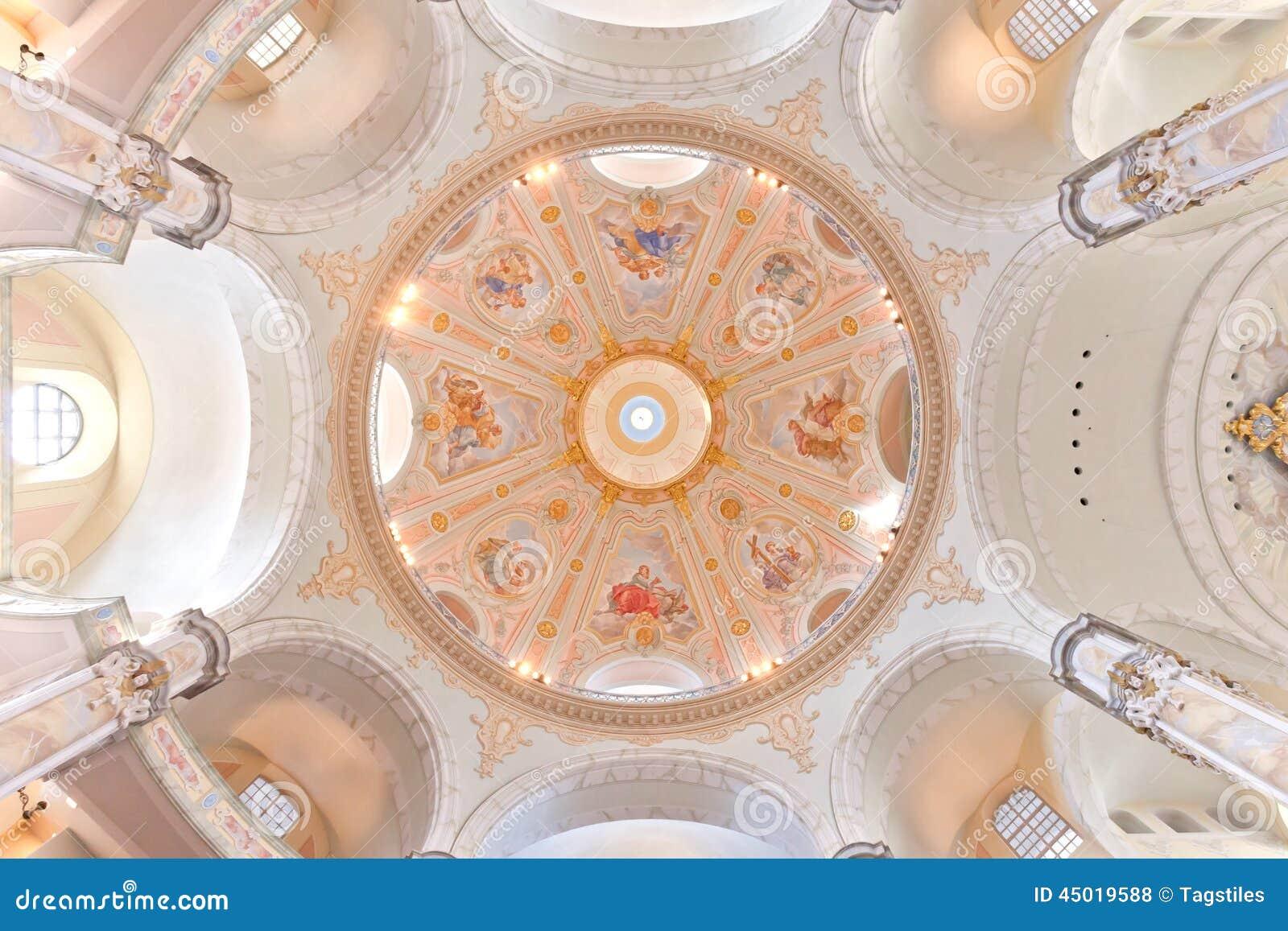 Download Frauenkirche stockfoto. Bild von landschaft, beschwichtigen - 45019588