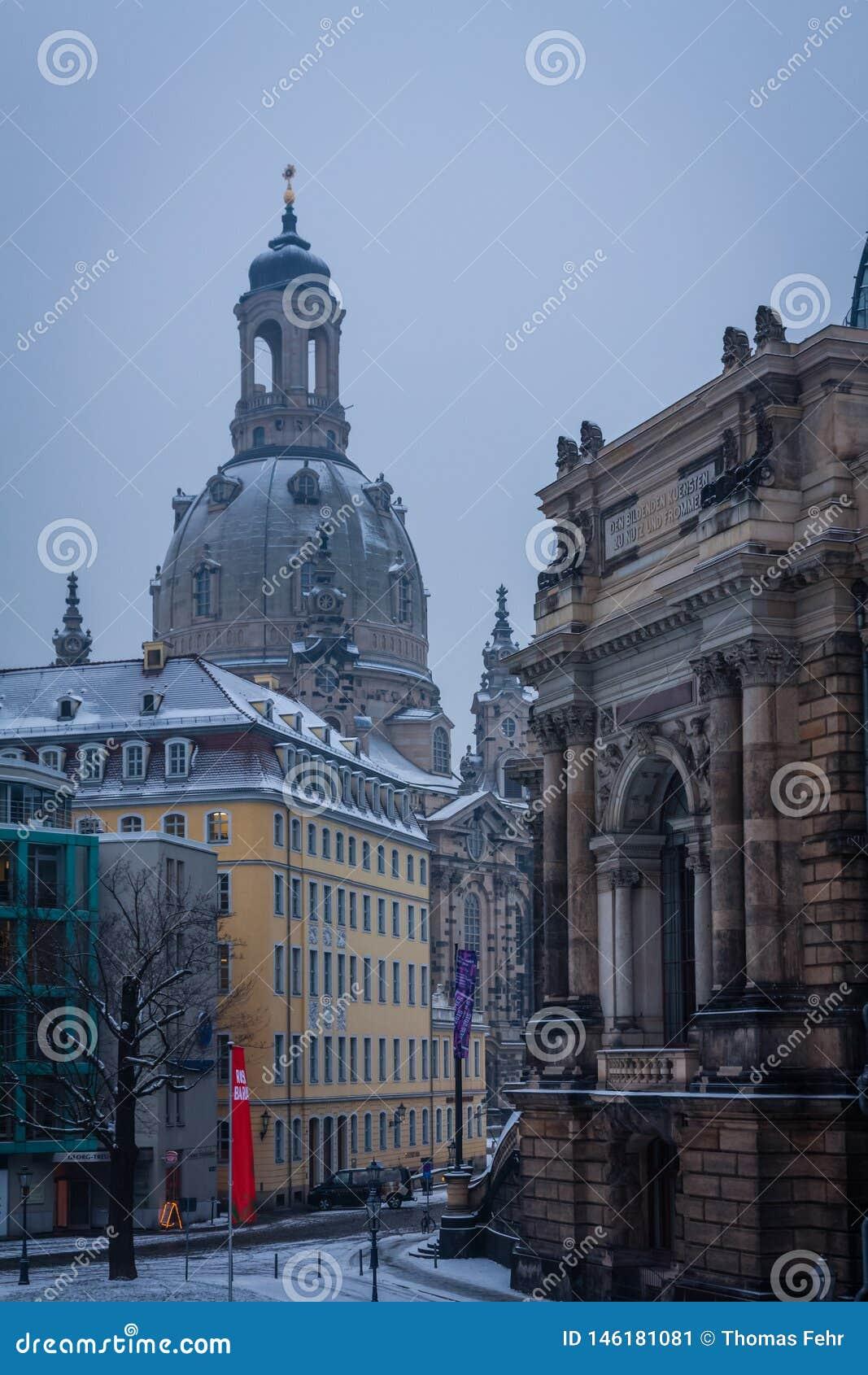 Frauenkirche famoso di Dresda, Germania