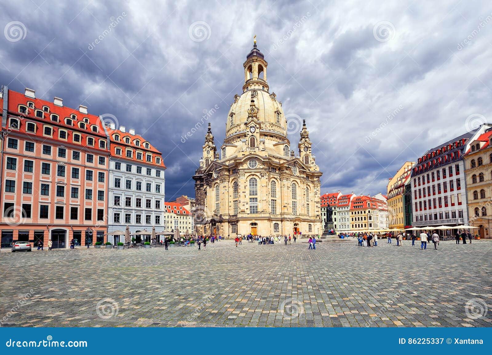 Frauenkirchekerk in de oude stad van Dresden, Duitsland