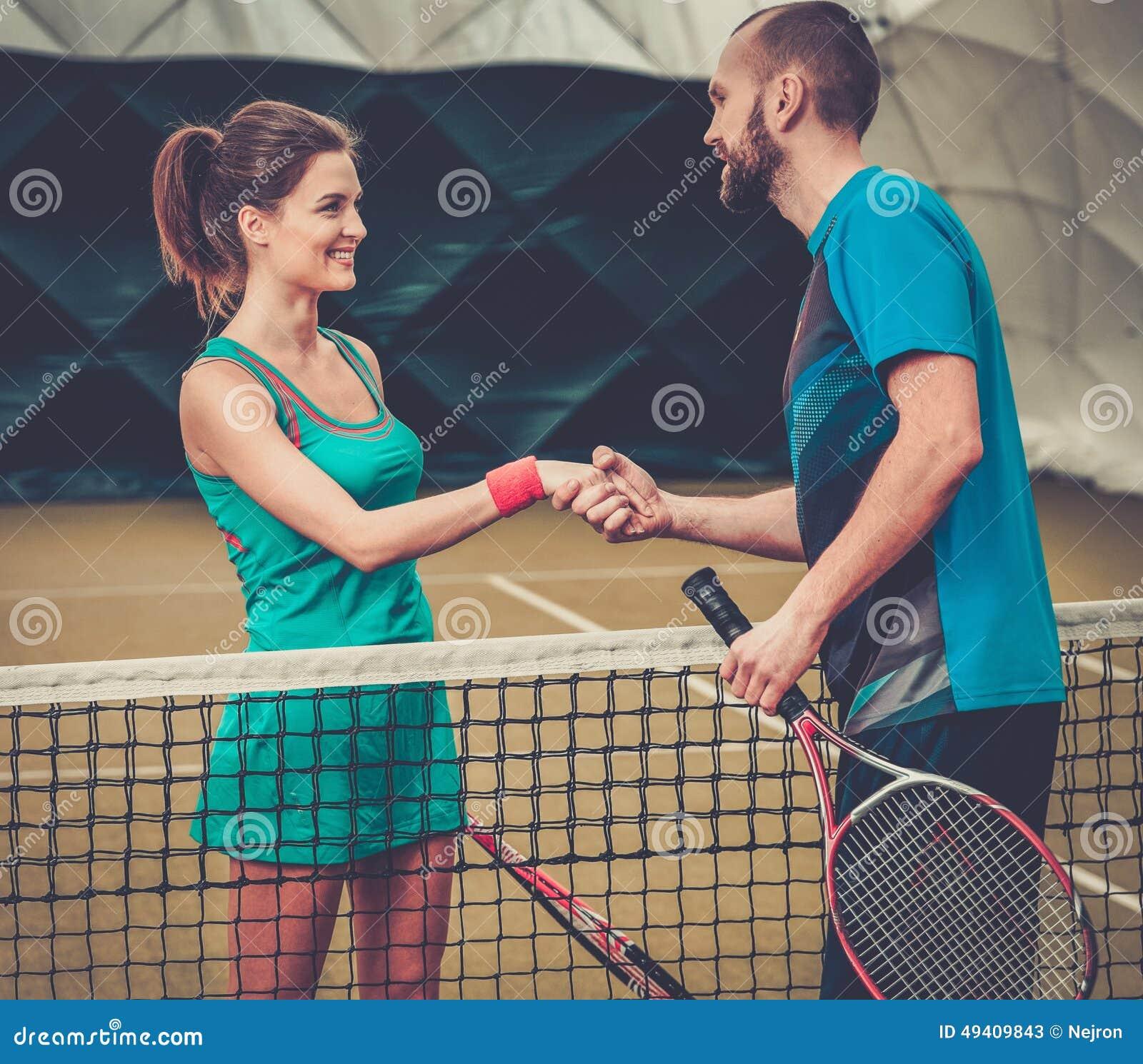 Download Frauentennisspieler Und Ihr Trainer Stockbild - Bild von eignung, konkurrent: 49409843