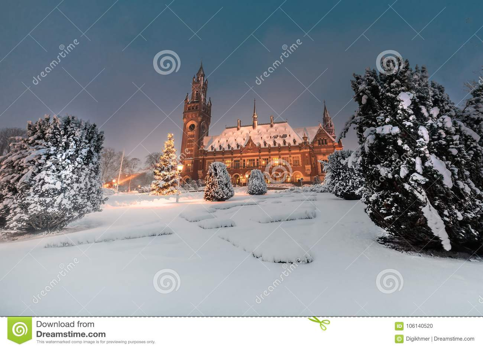 Fredslott, Vredespaleis, under snöqt-natten