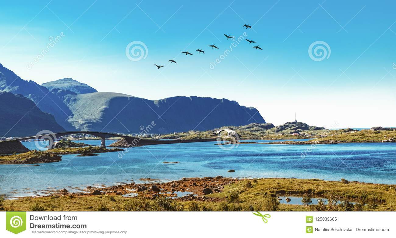 Fredvang most w Lofoten archipelagu, Norwegia
