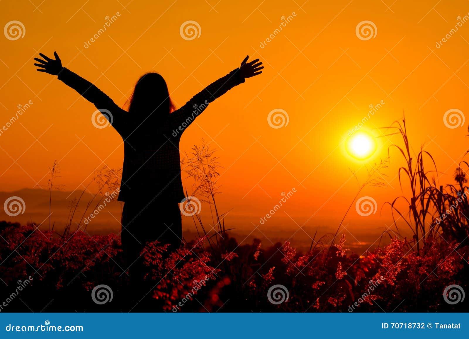 Nature Images 2mb: Free Happy Woman Enjoying Nature Sunset. Freedom