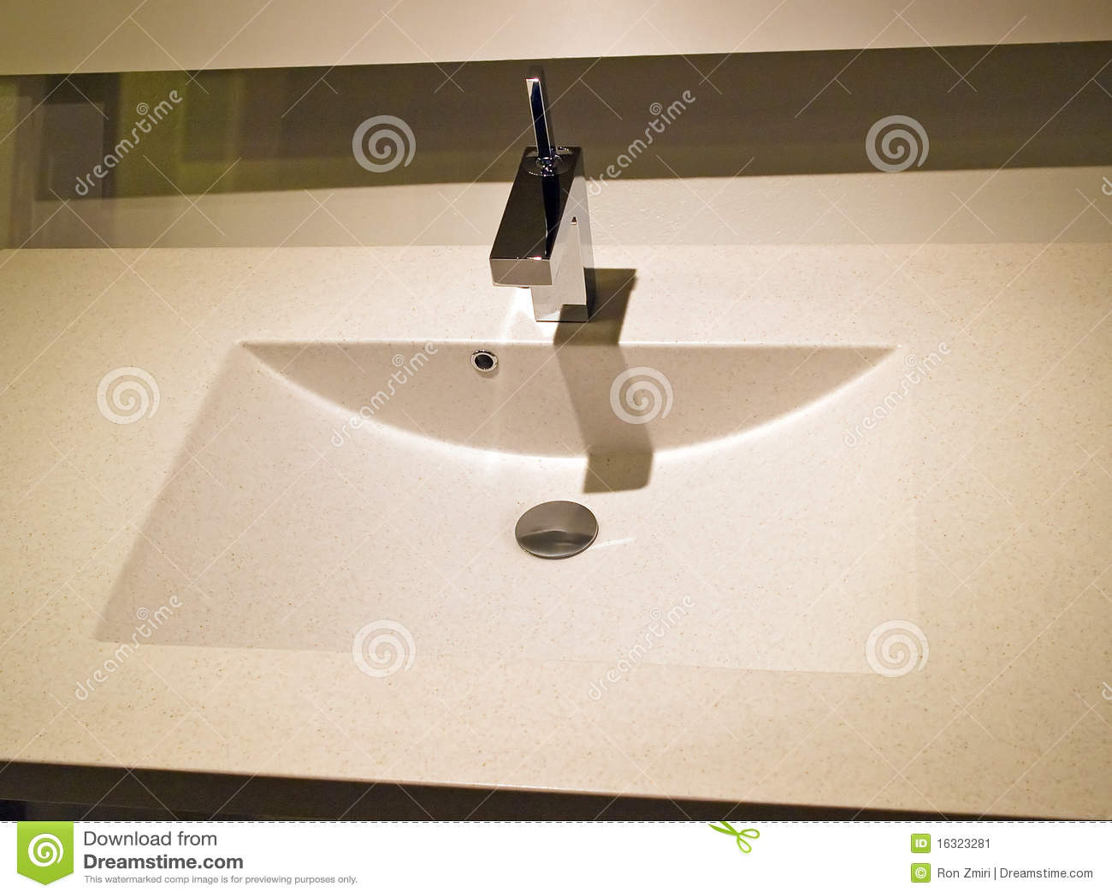 Fregadero contempor neo moderno del cuarto de ba o del - Disenador de banos ...