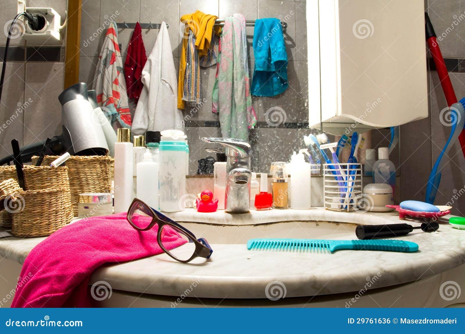 Imagenes De Baño Sucio:Messy Bathroom Sink