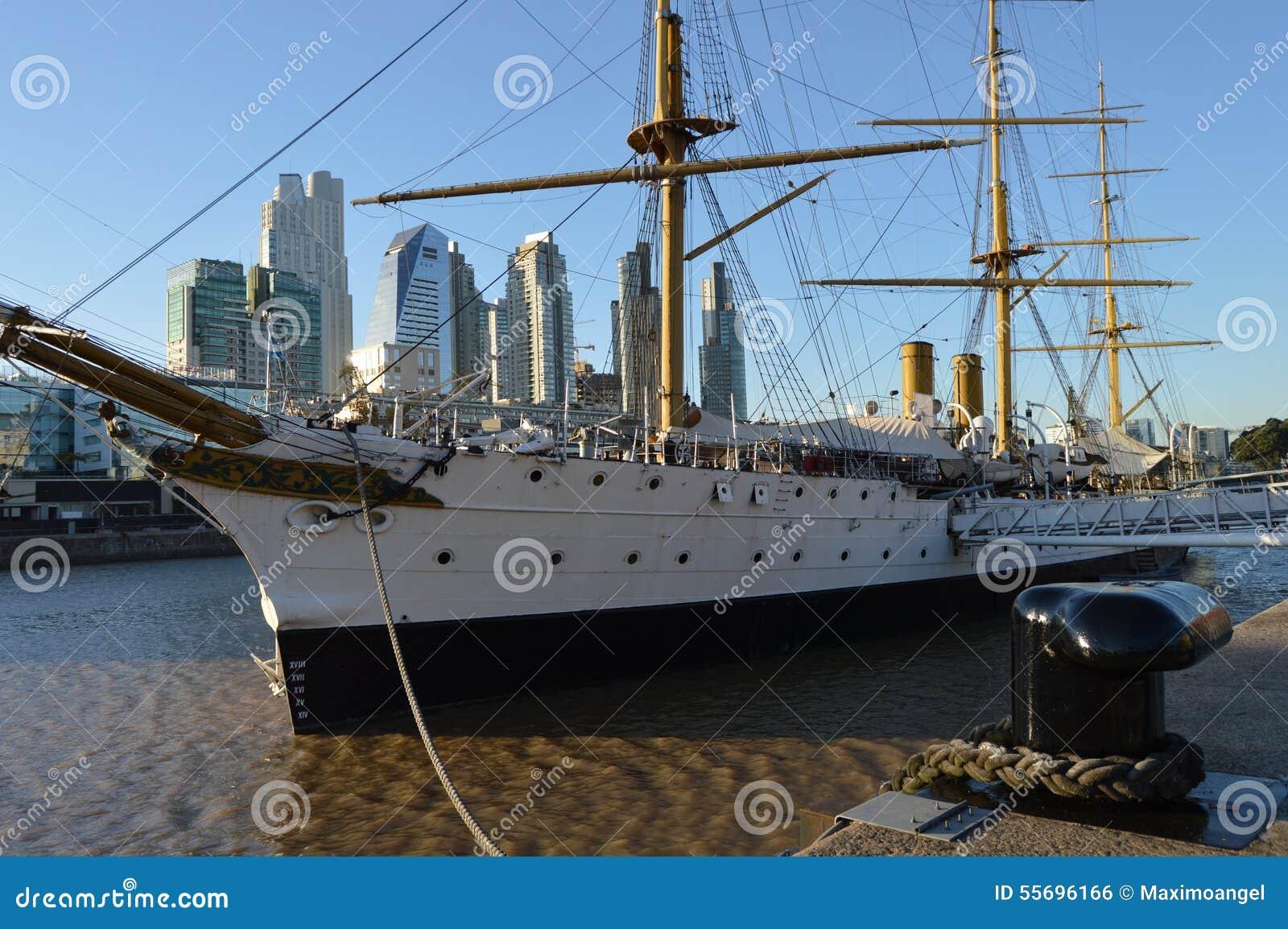 Fregat Sarmiento