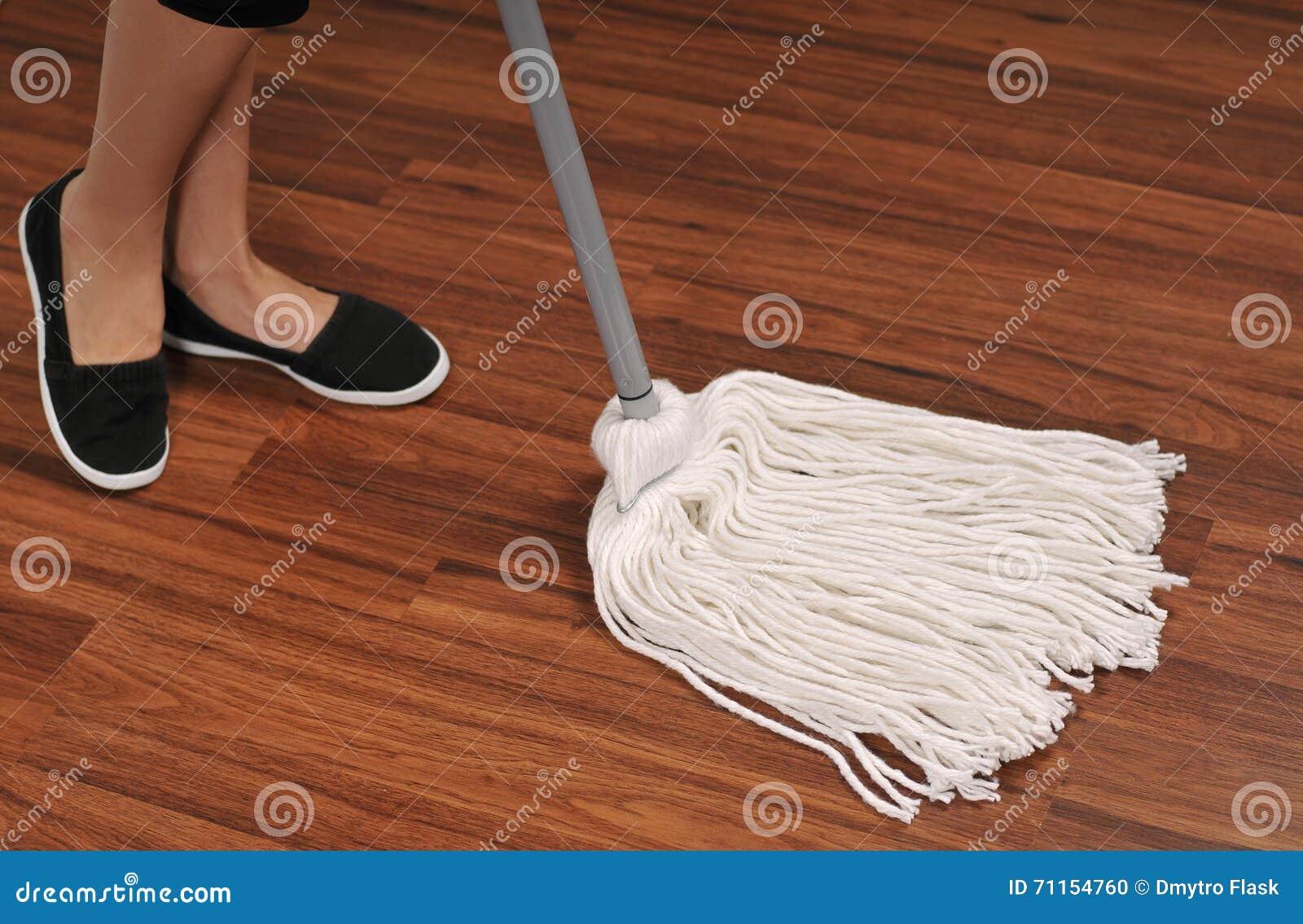 Como limpiar suelo de madera awesome cmo acuchillar el - Limpiar suelo de madera ...