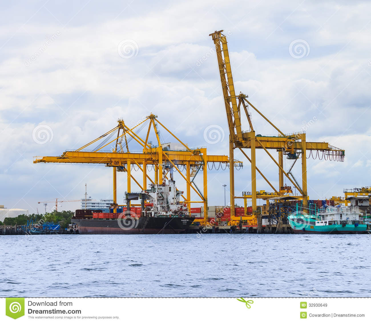 Freight Ship With Cargo Editorial Stock Image - Image: 32930649